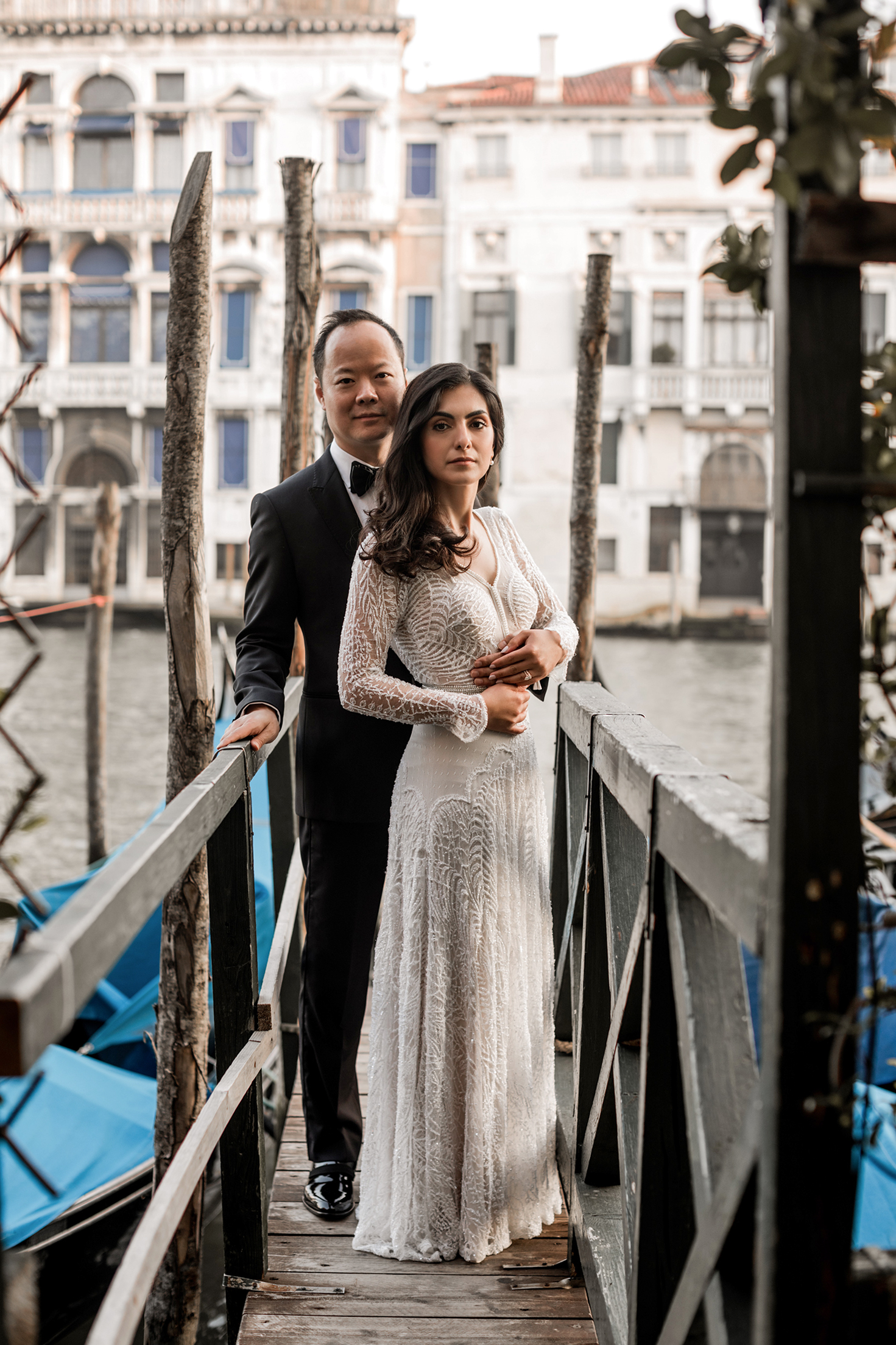 elle raymond venice wedding couple on dock