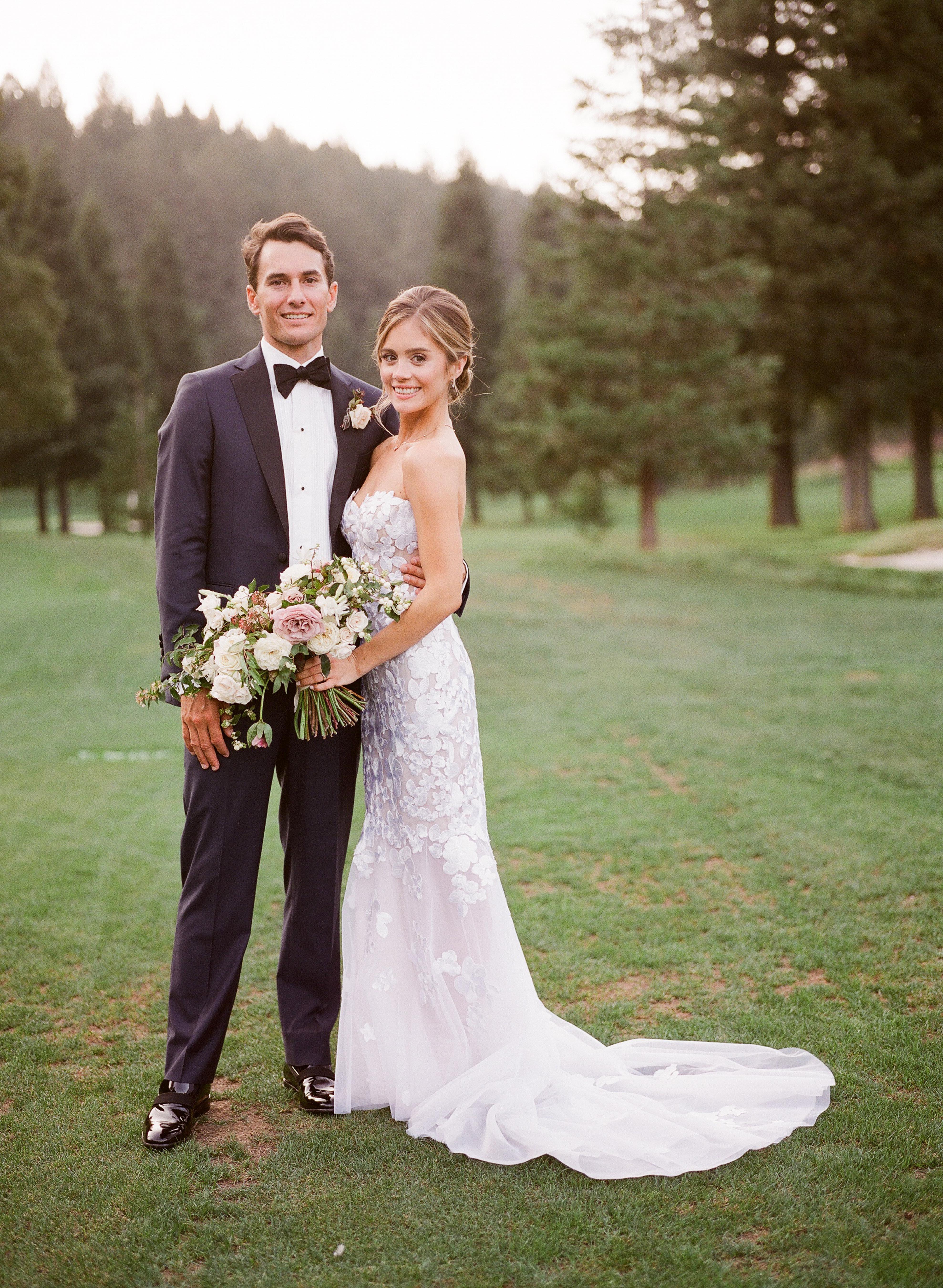 caitlin michael wedding couple on lawn