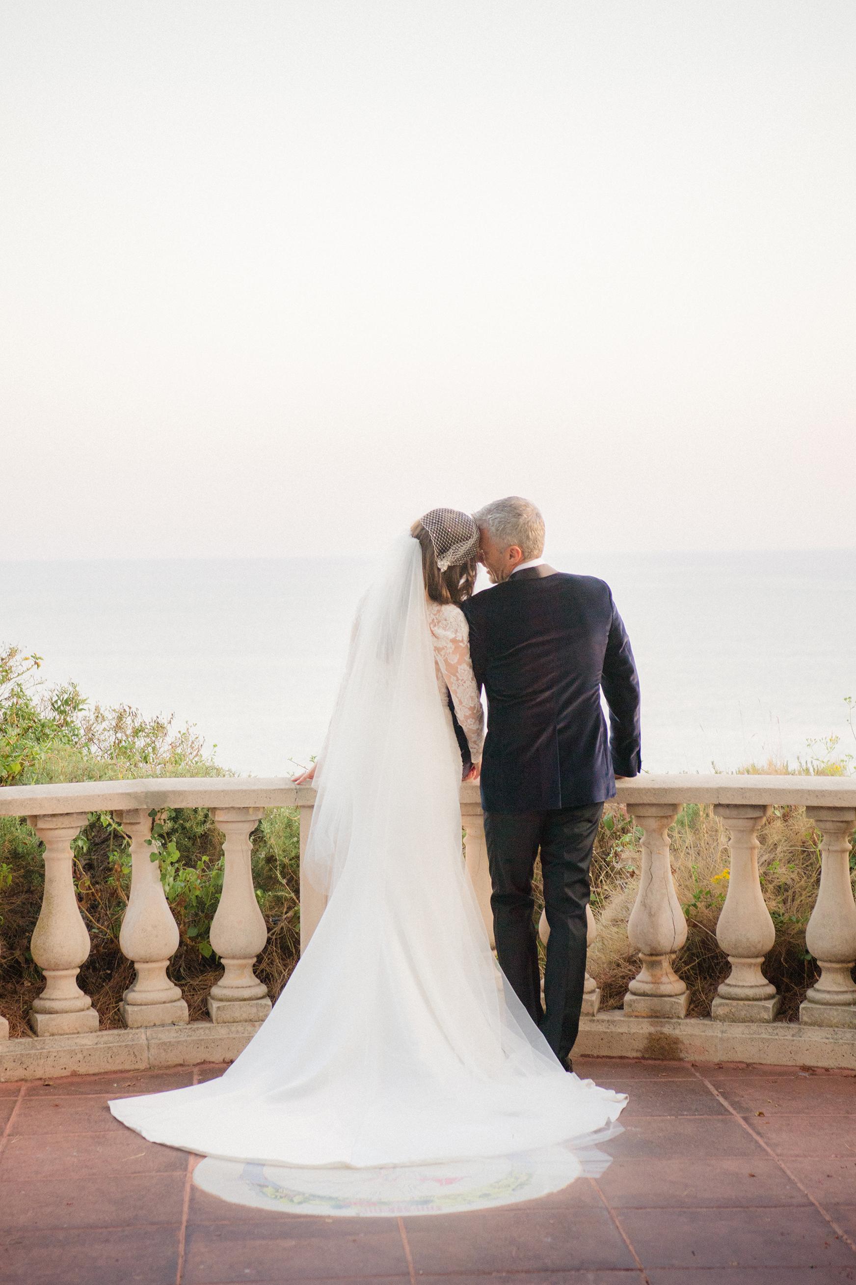 jiannina enzo wedding couple admiring view