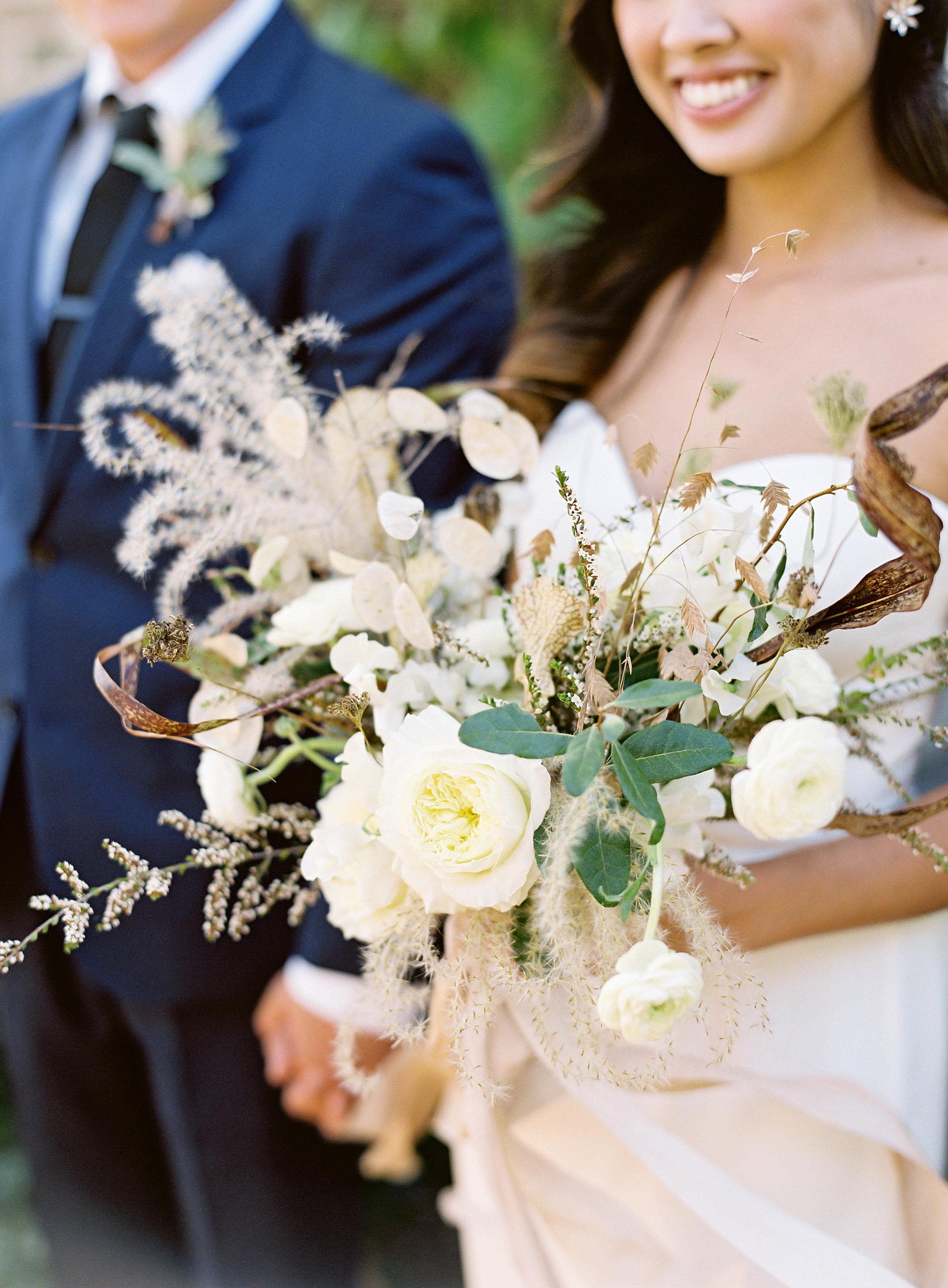 linda robert wedding bouquet