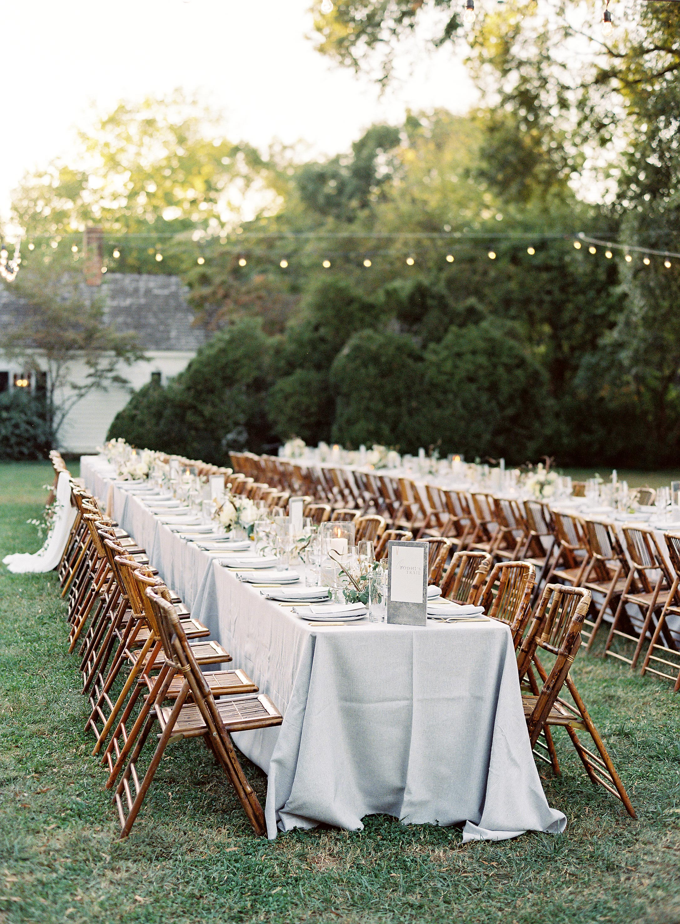 linda robert wedding reception table setting