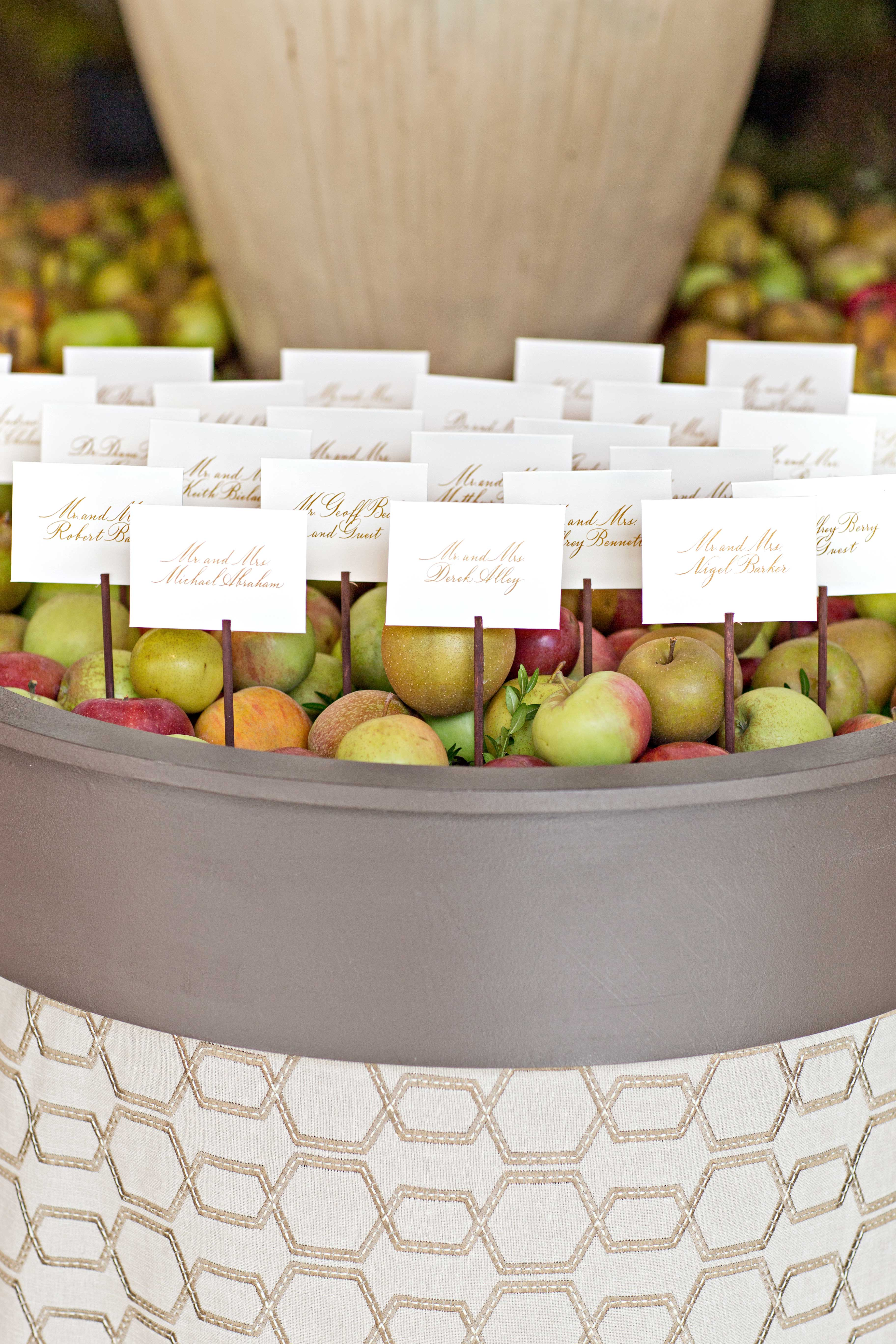 place cards apples