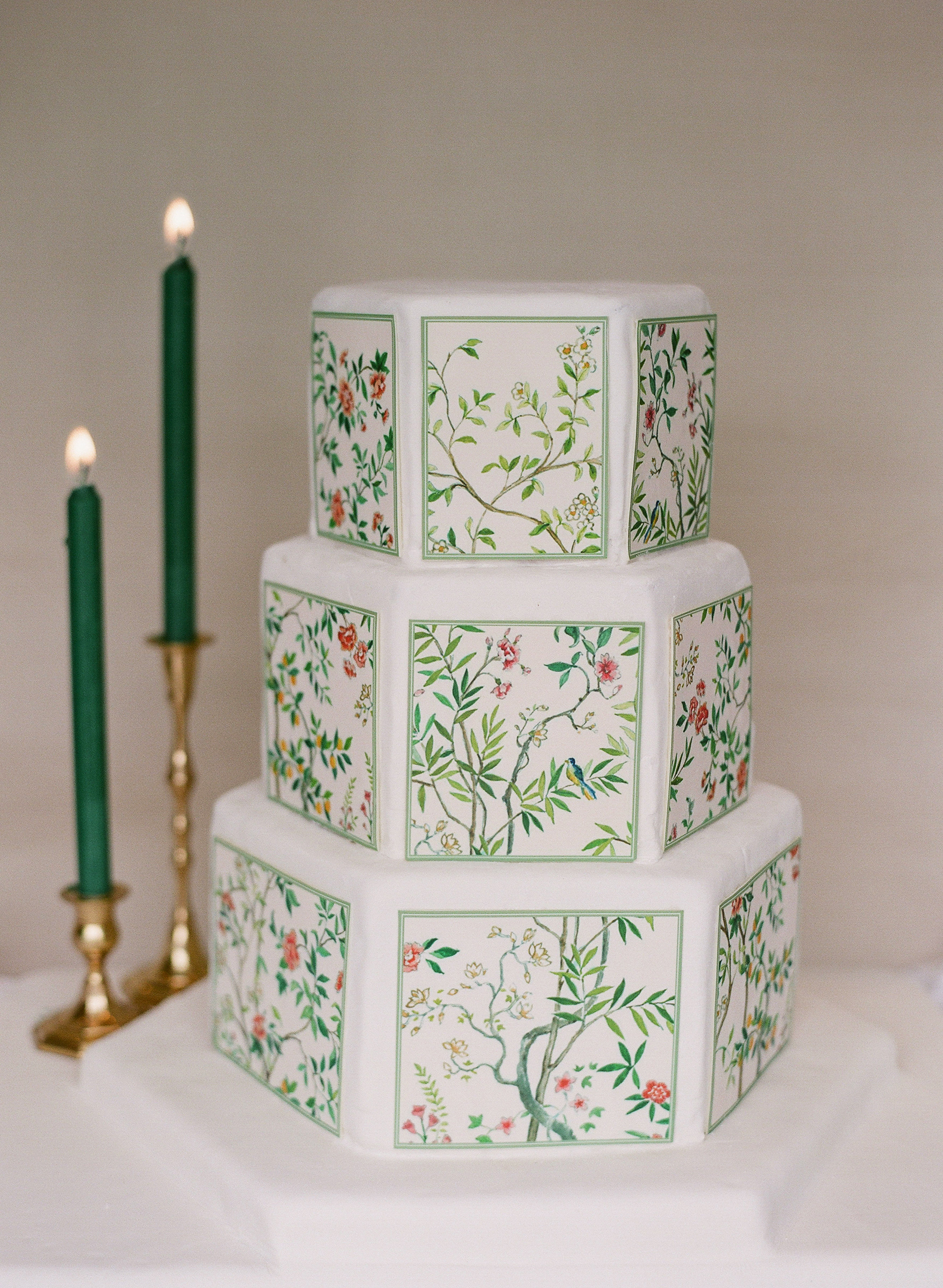 diana alex wedding cake chinoiserie