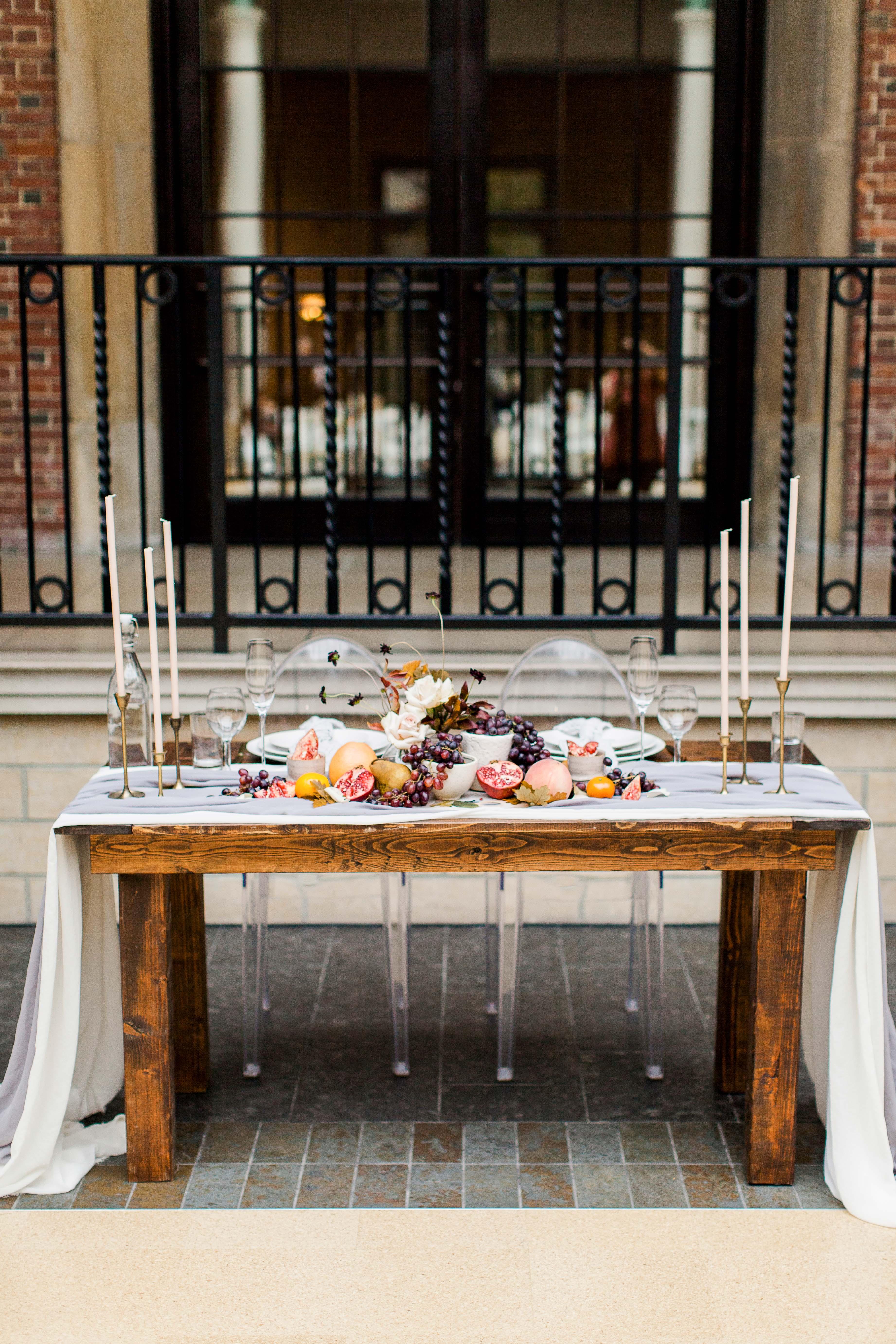 katie matthew ohio wedding sweetheart table