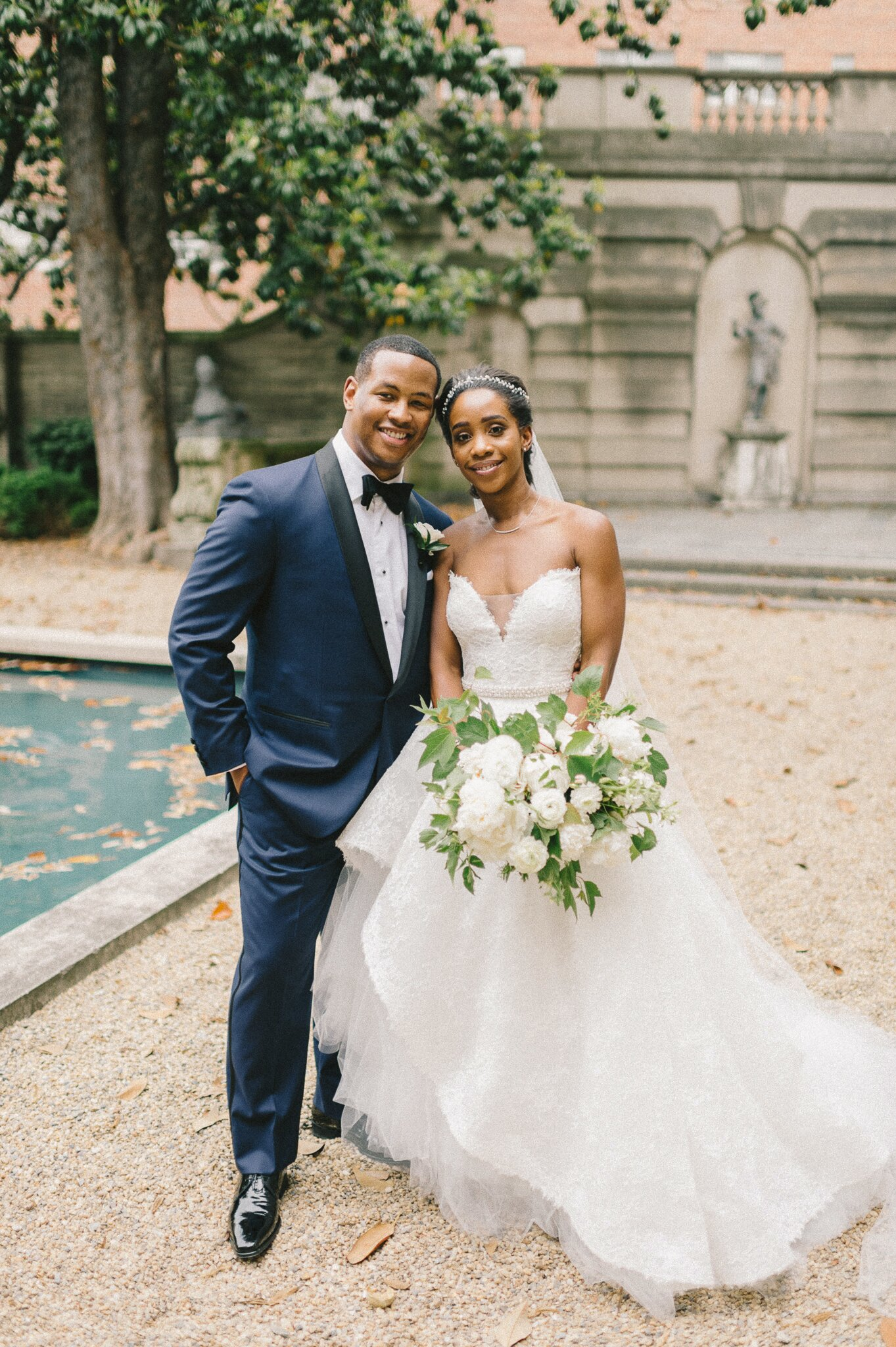 Even Rain Couldn T Make This Couple S Garden Inspired D C Wedding