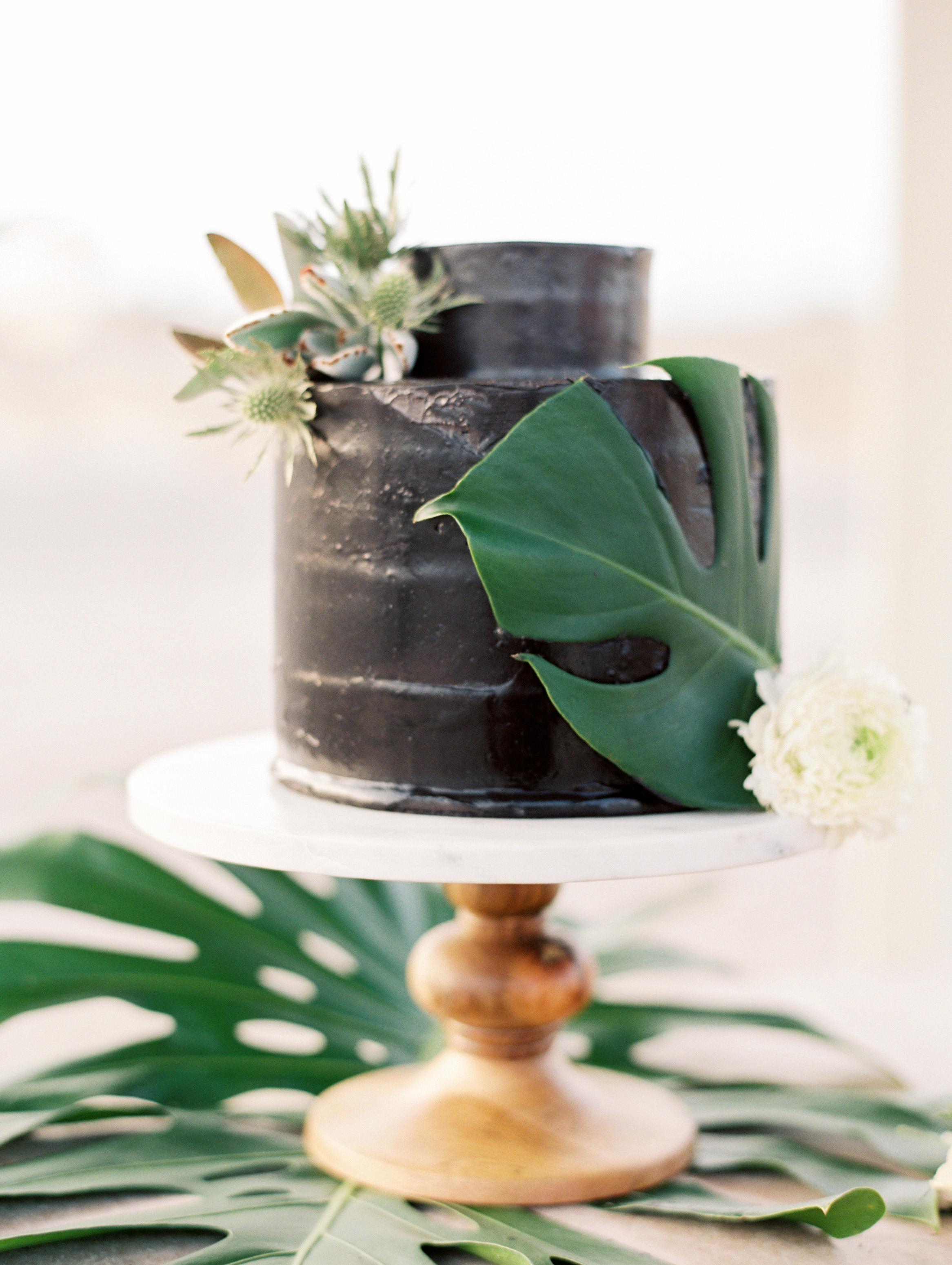 black wedding cake darcy benincosa pippacakery