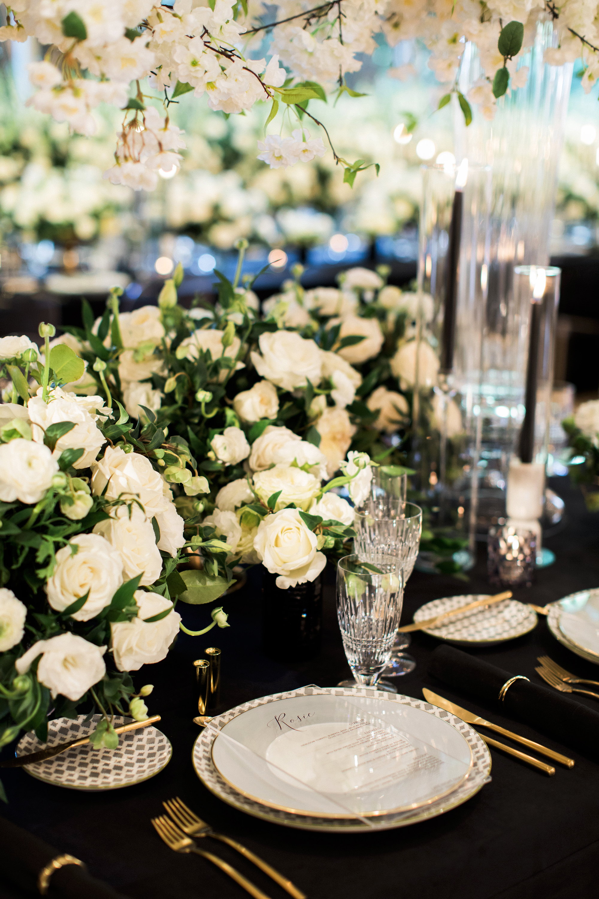 lyndsey magellan wedding plate setting centerpieces