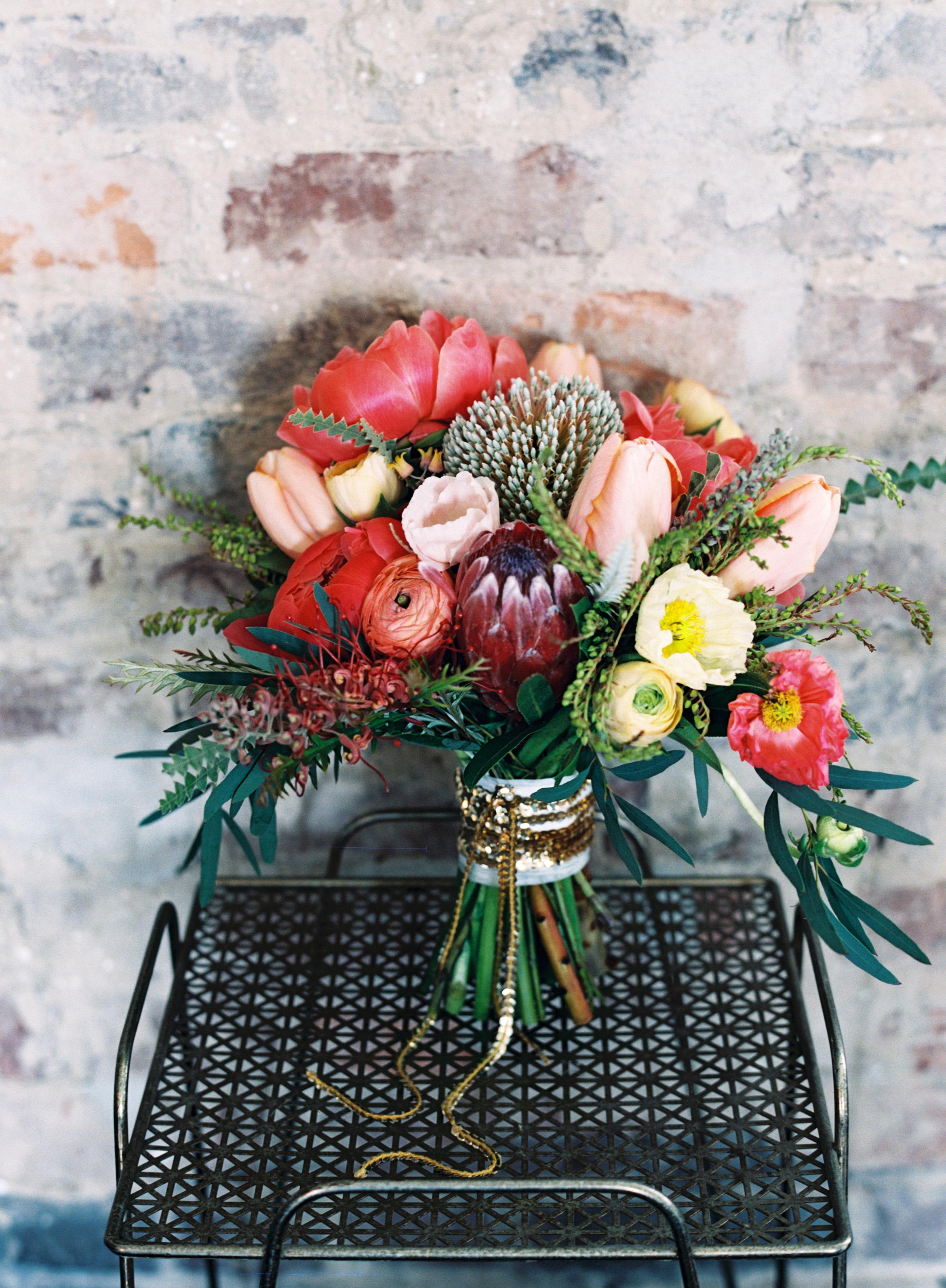 bouquet wraps flowers red cart sequins