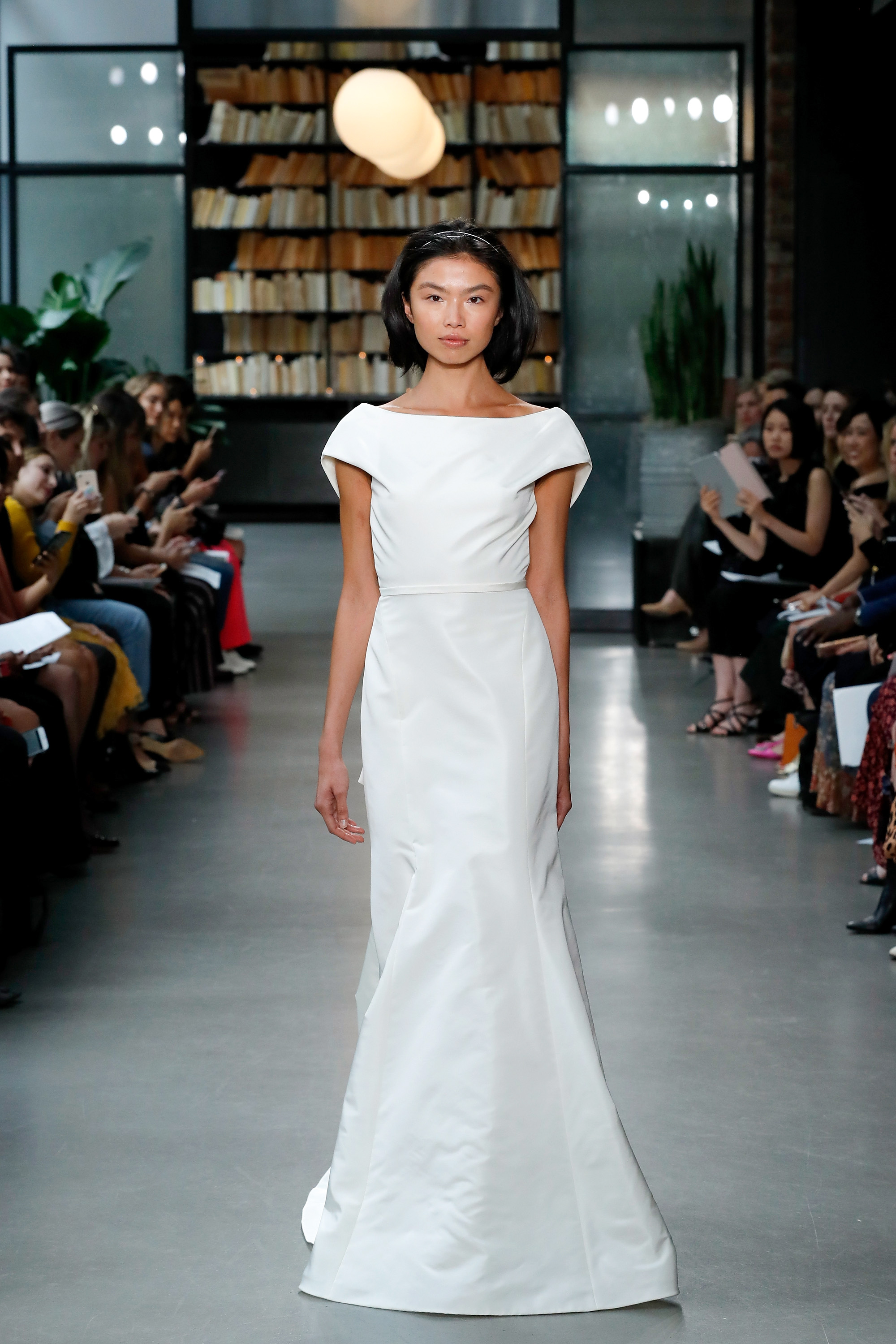 amsale fall 2019 mermaid with belt wedding dress