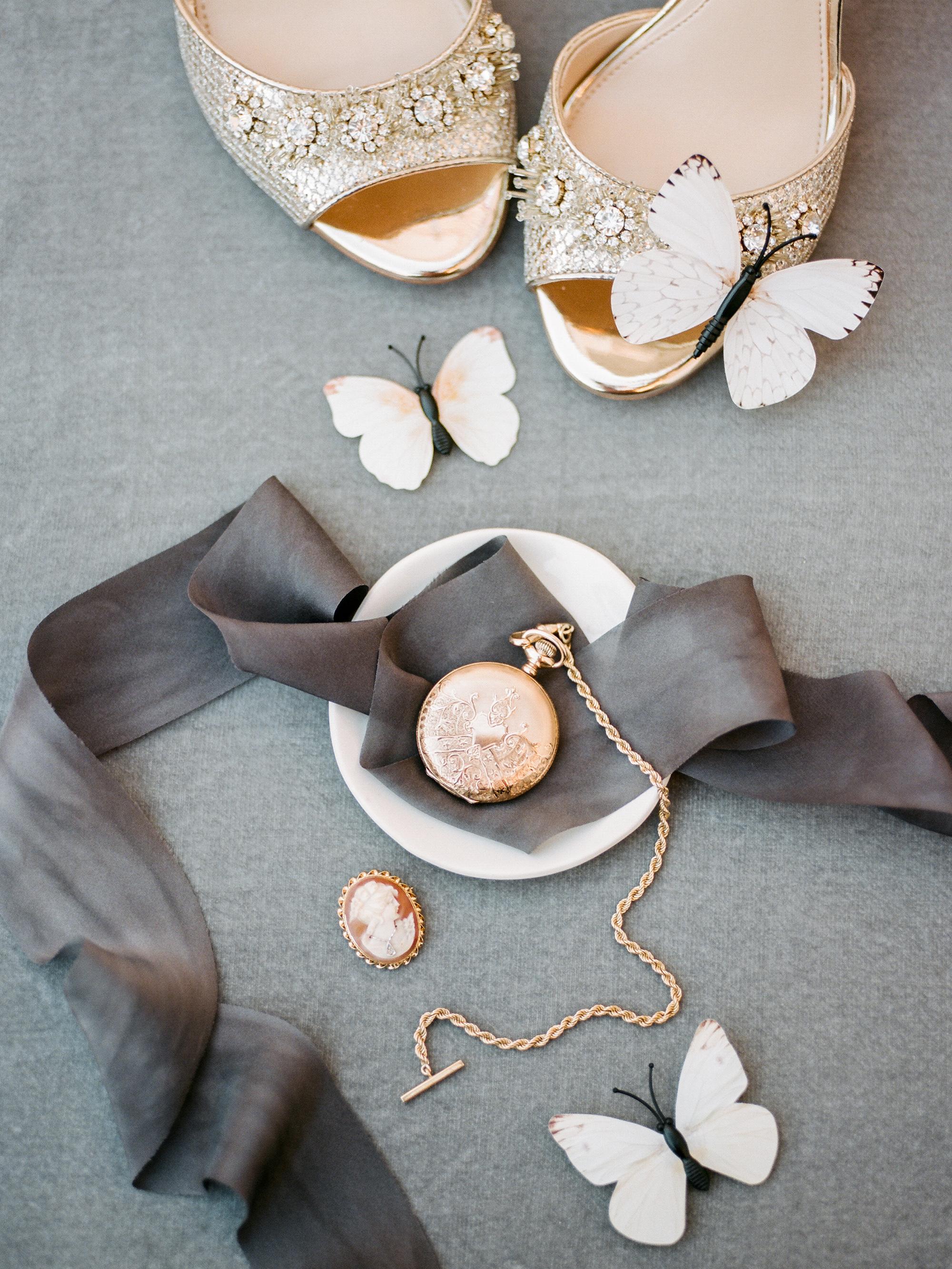 kiersten ruairi wedding accessories