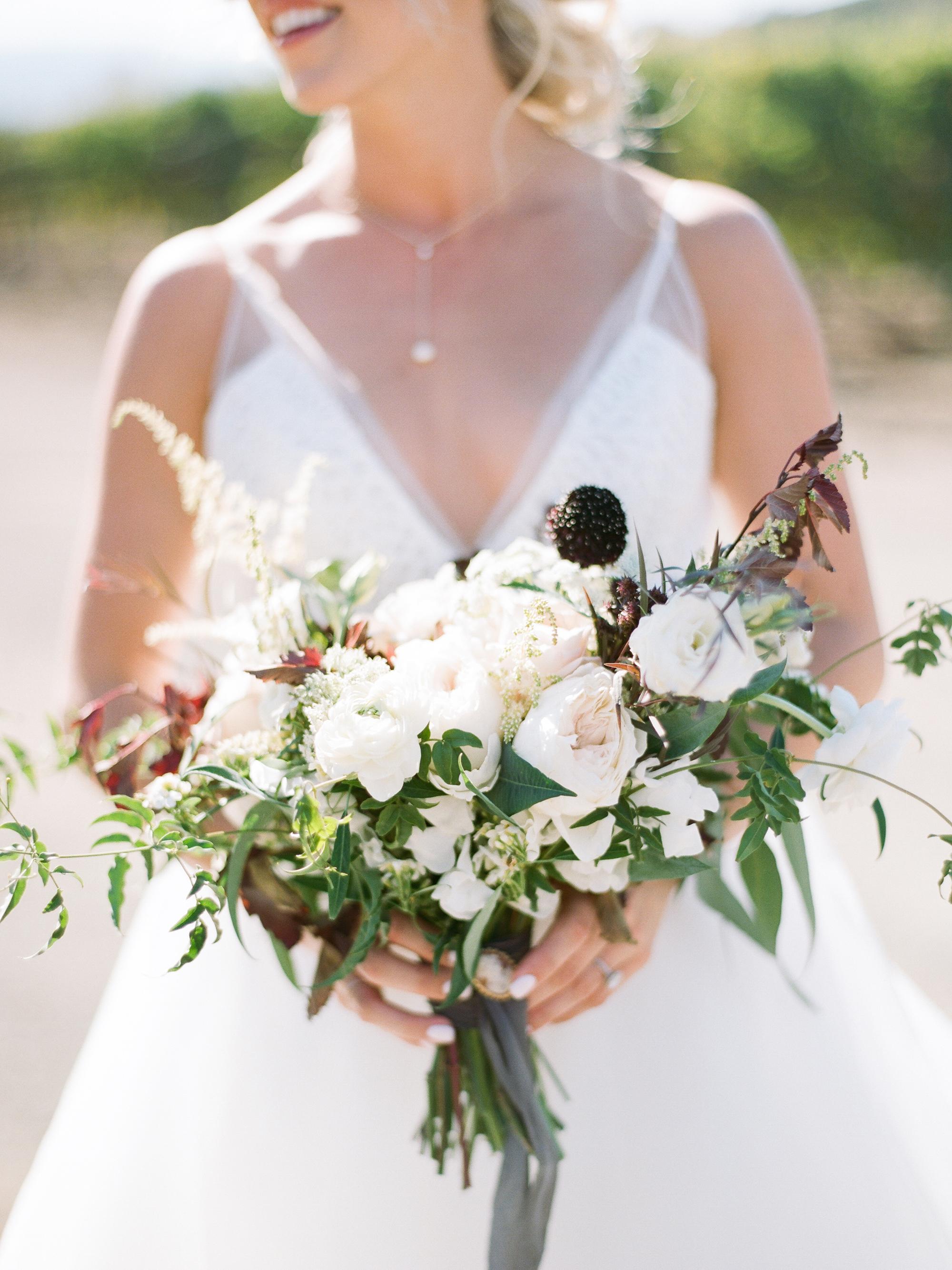 kiersten ruairi wedding bouquet