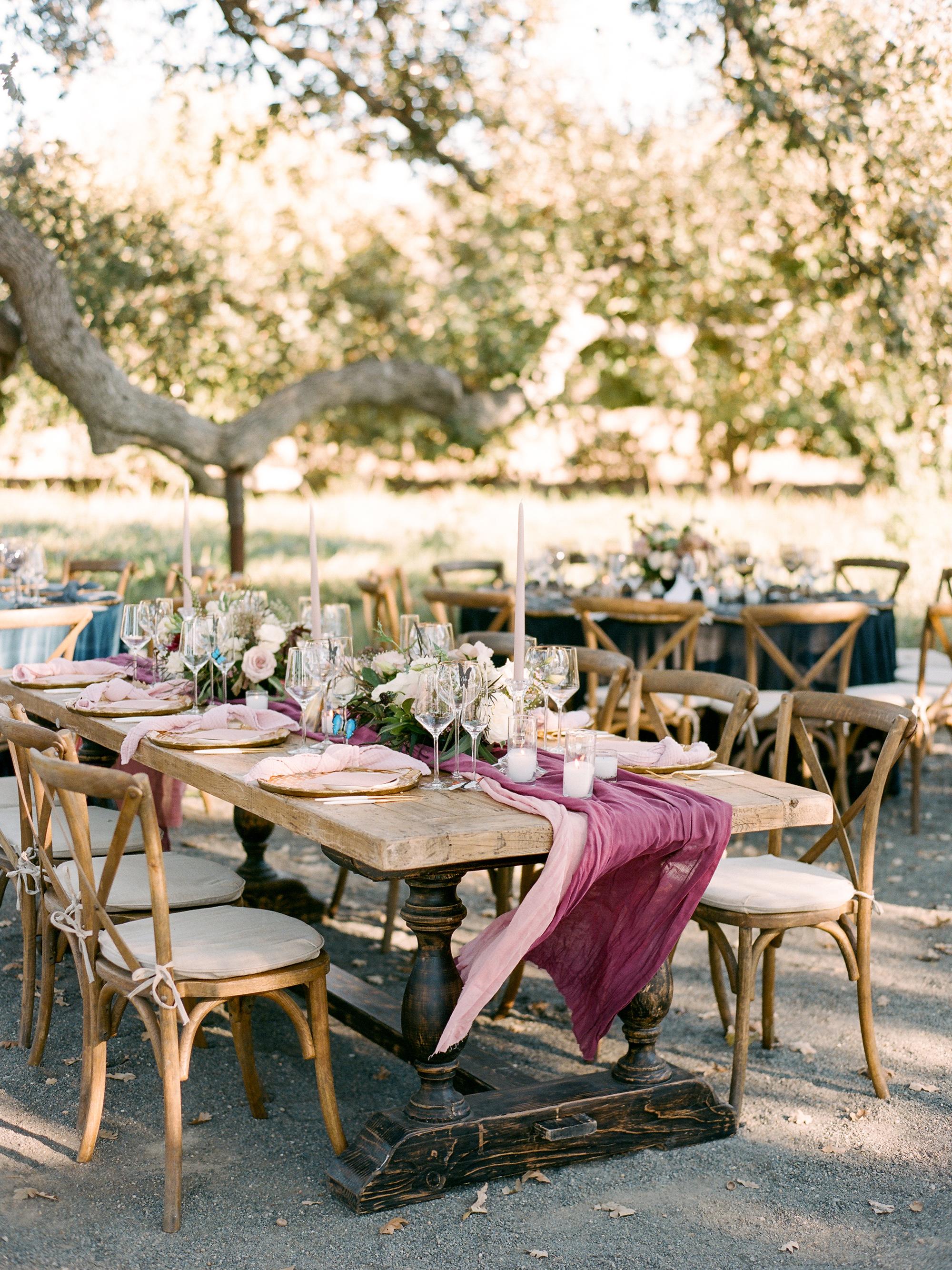 kiersten ruairi wedding table