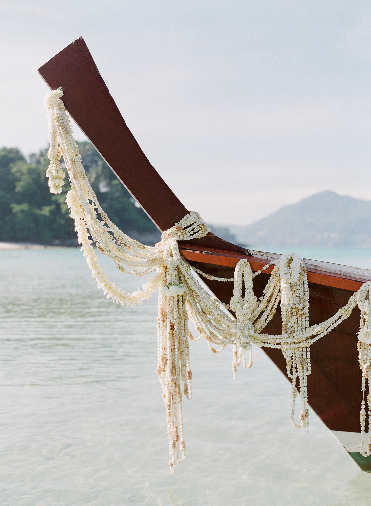 stacy brad wedding thailand boat