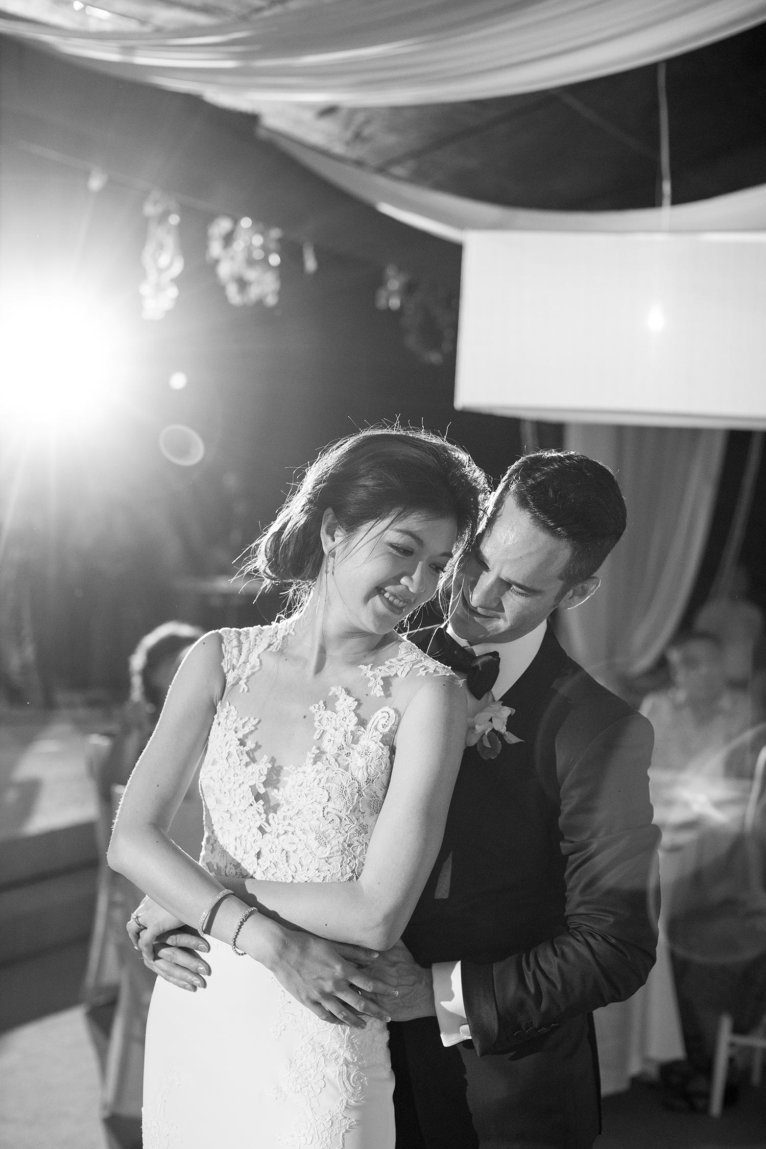 stacy brad wedding thailand first dance
