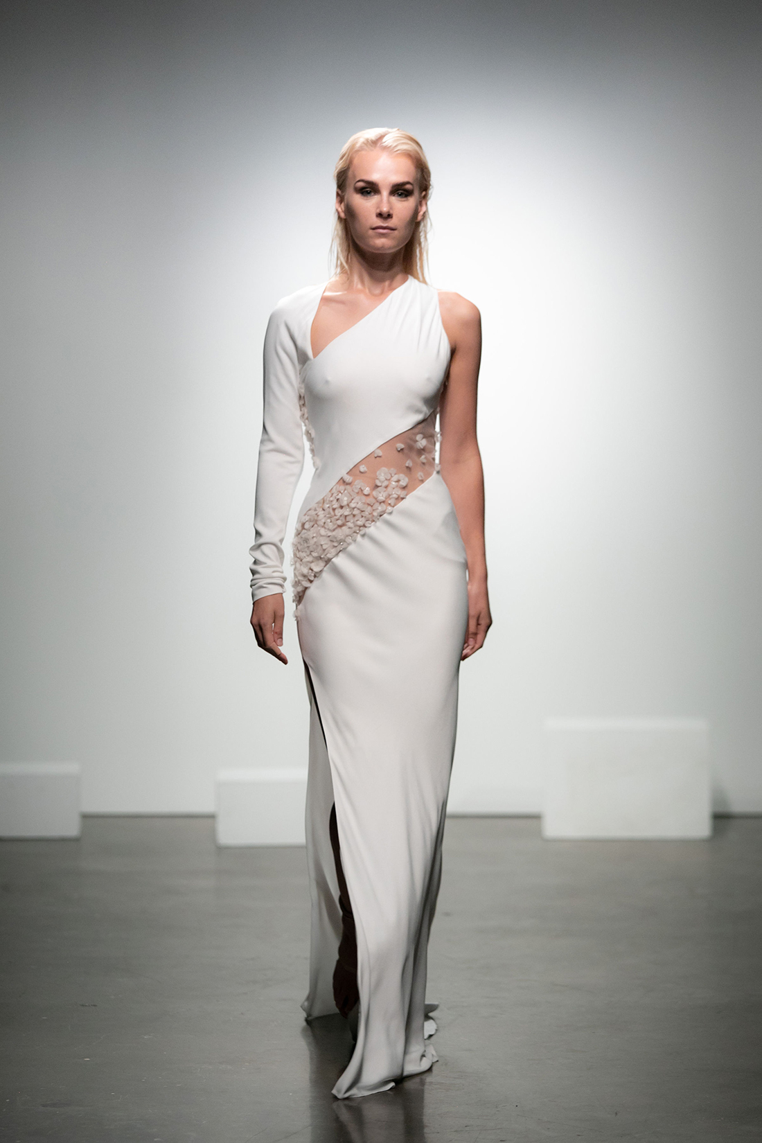 rime arodaky fall 2019 high slit trumpet asymmetrical neckline long sleeve sleeveless sheer floral applique