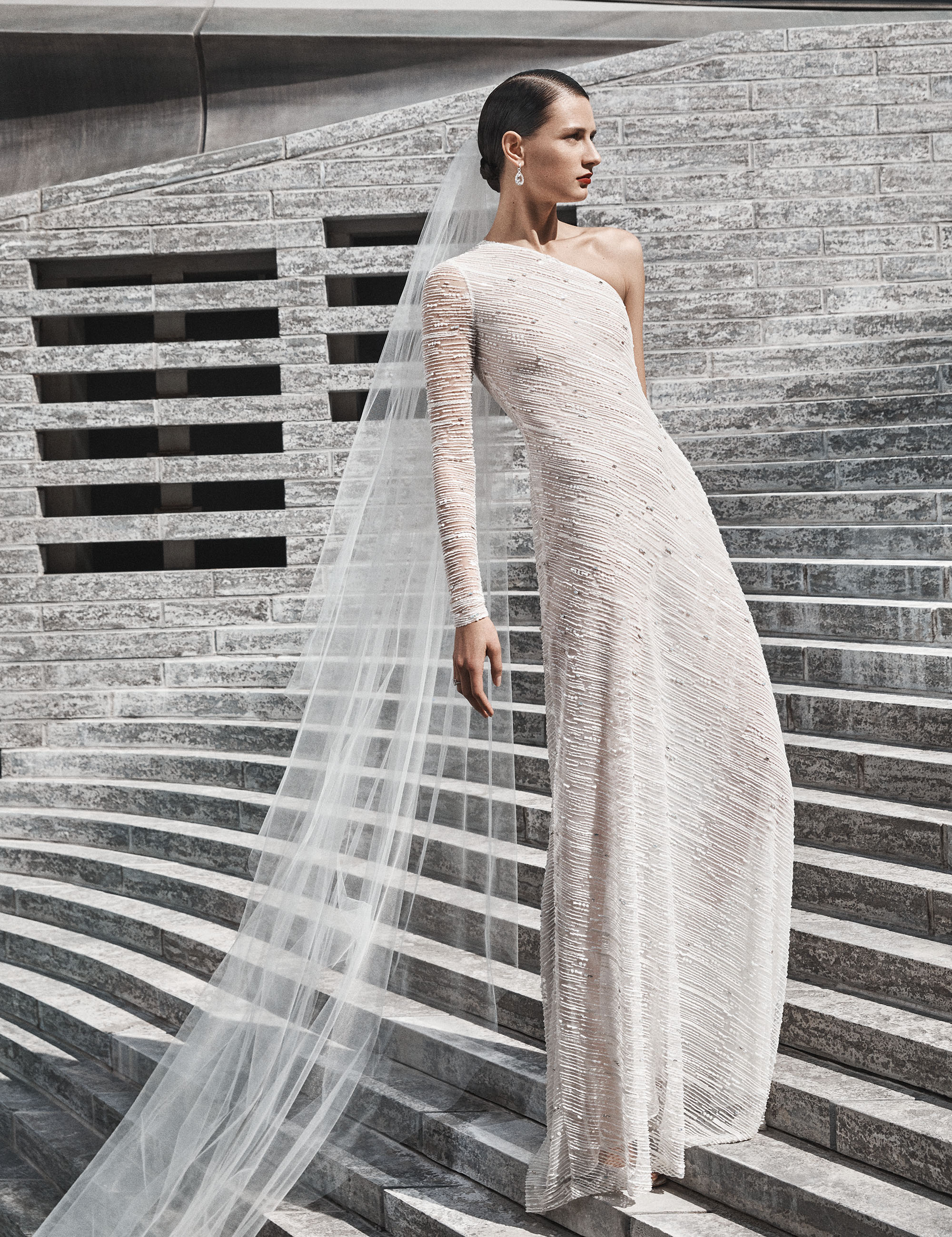 naeem khan wedding dress asymmetrical neckline one sleeve sheath