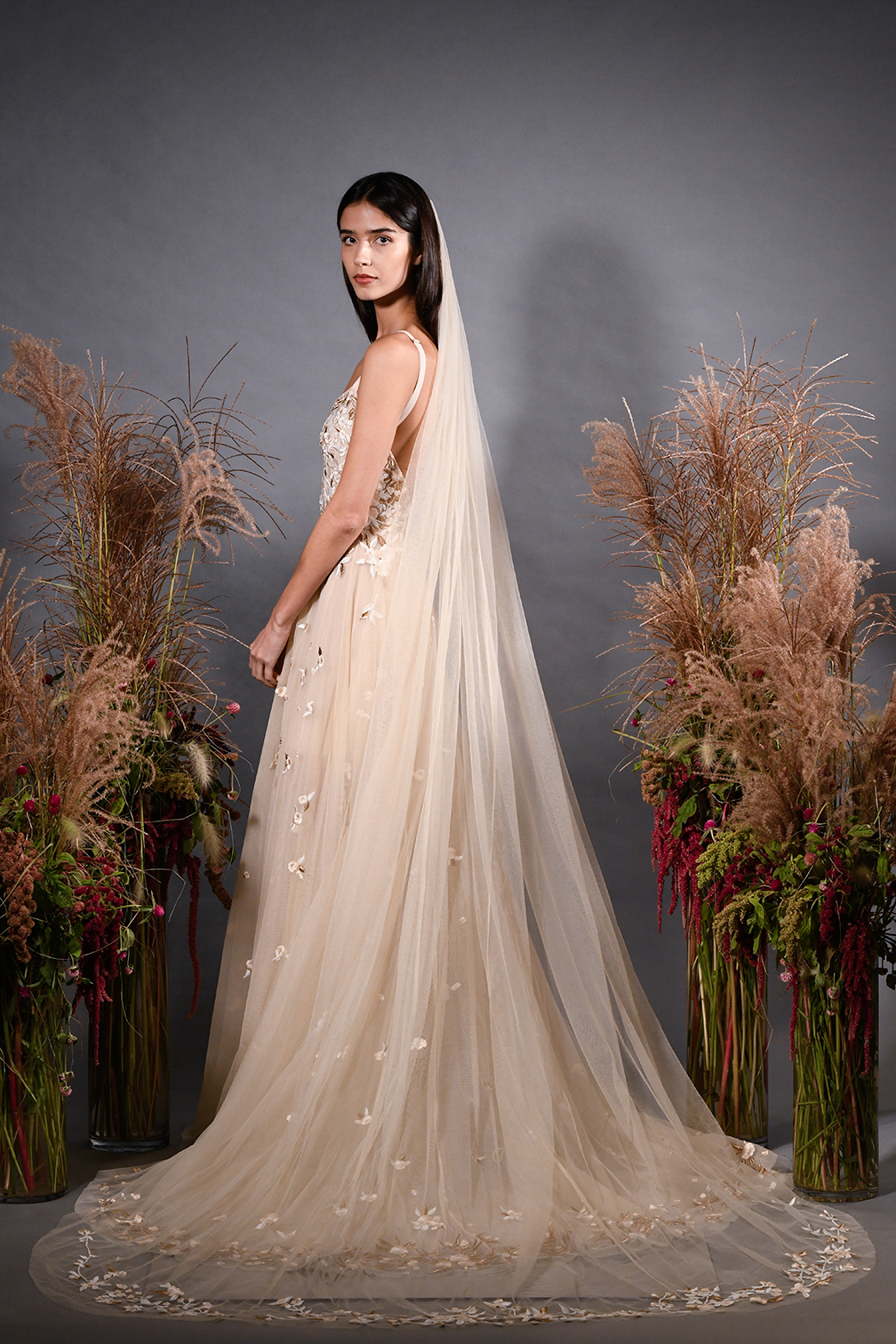 hermione de paula fall 2019 embroidered a-line rose gold gown with veil