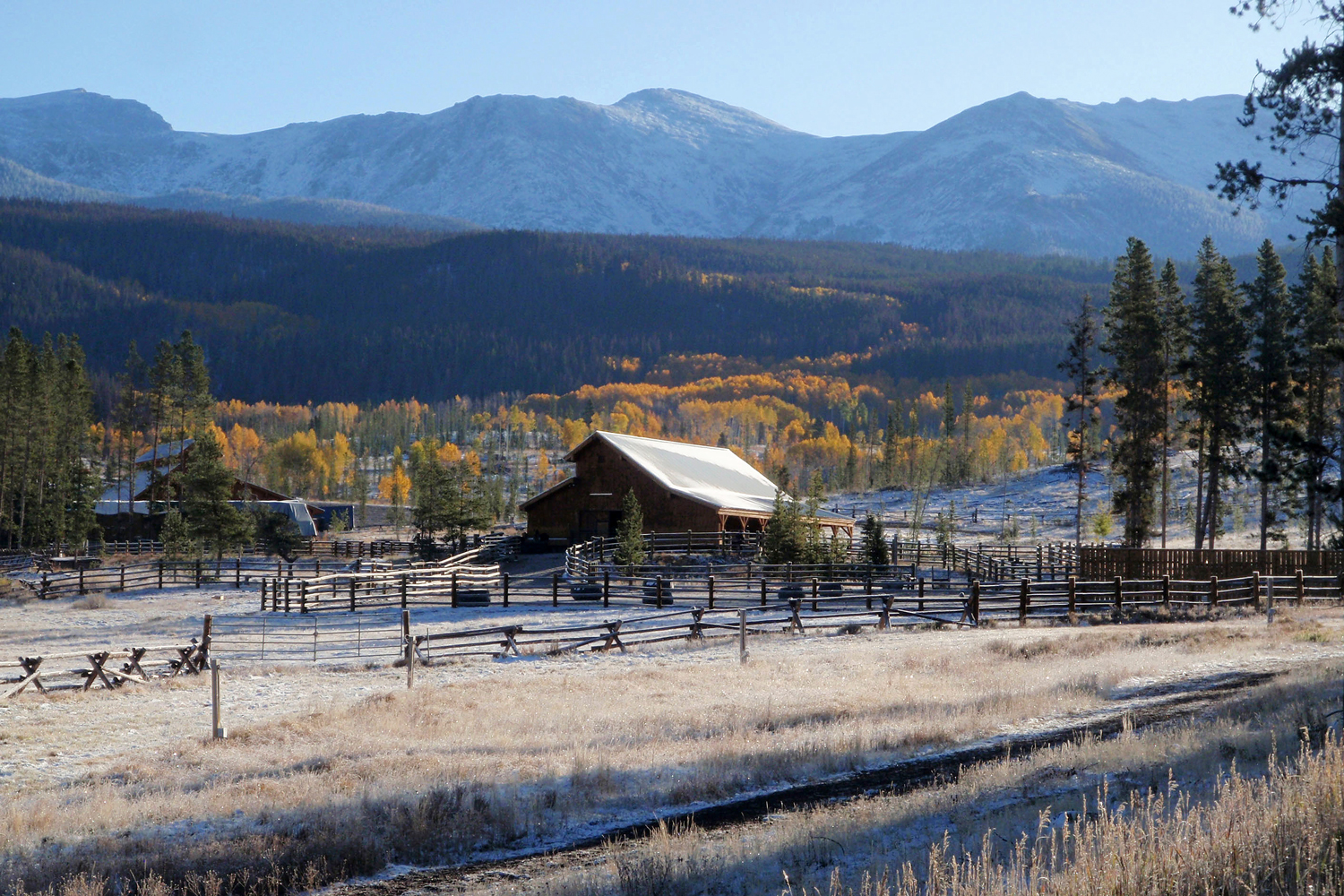 colorado ranch with fall foliage