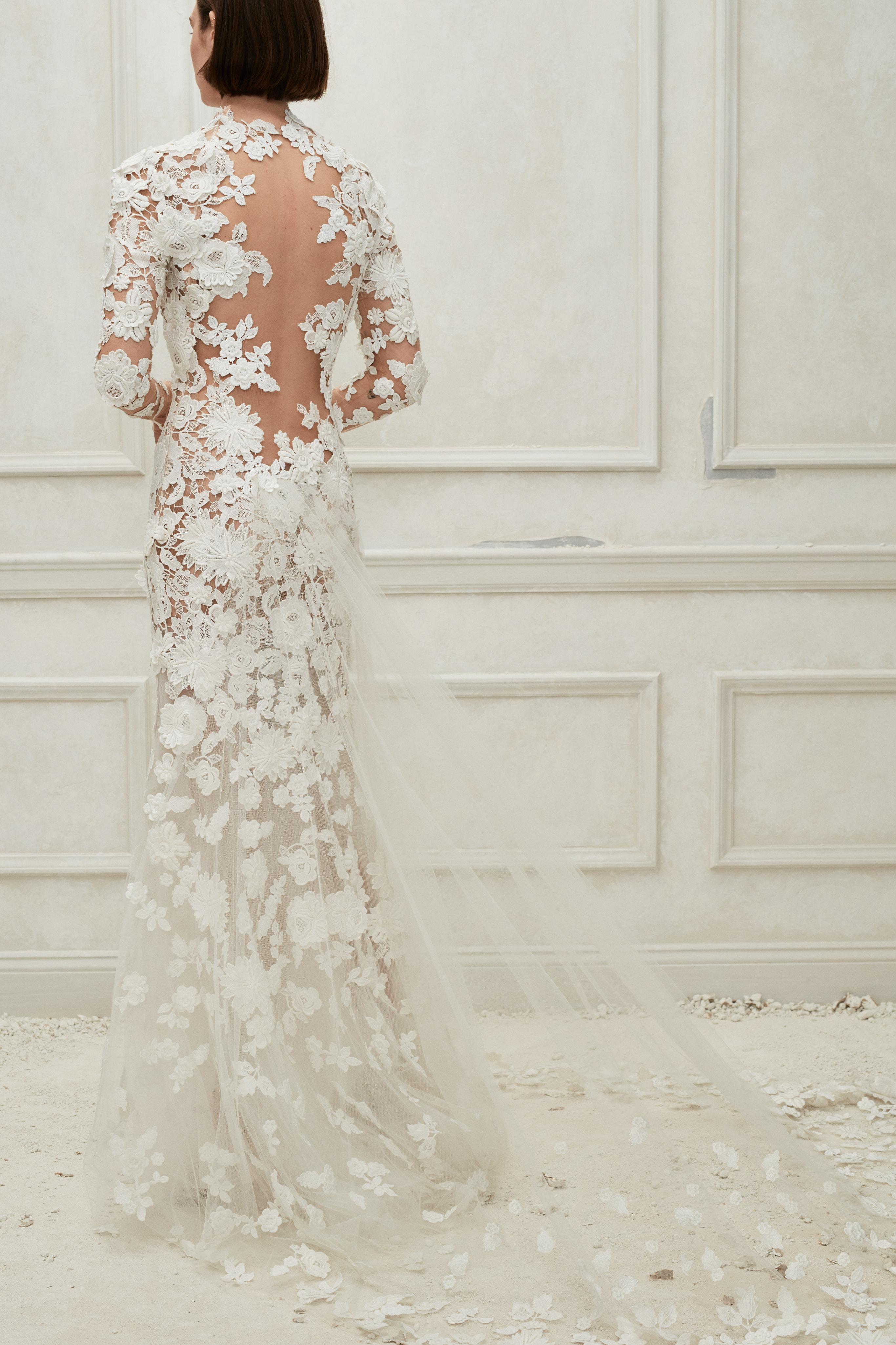 Oscar de la Renta floral long sleeves with train wedding dress fall 2019