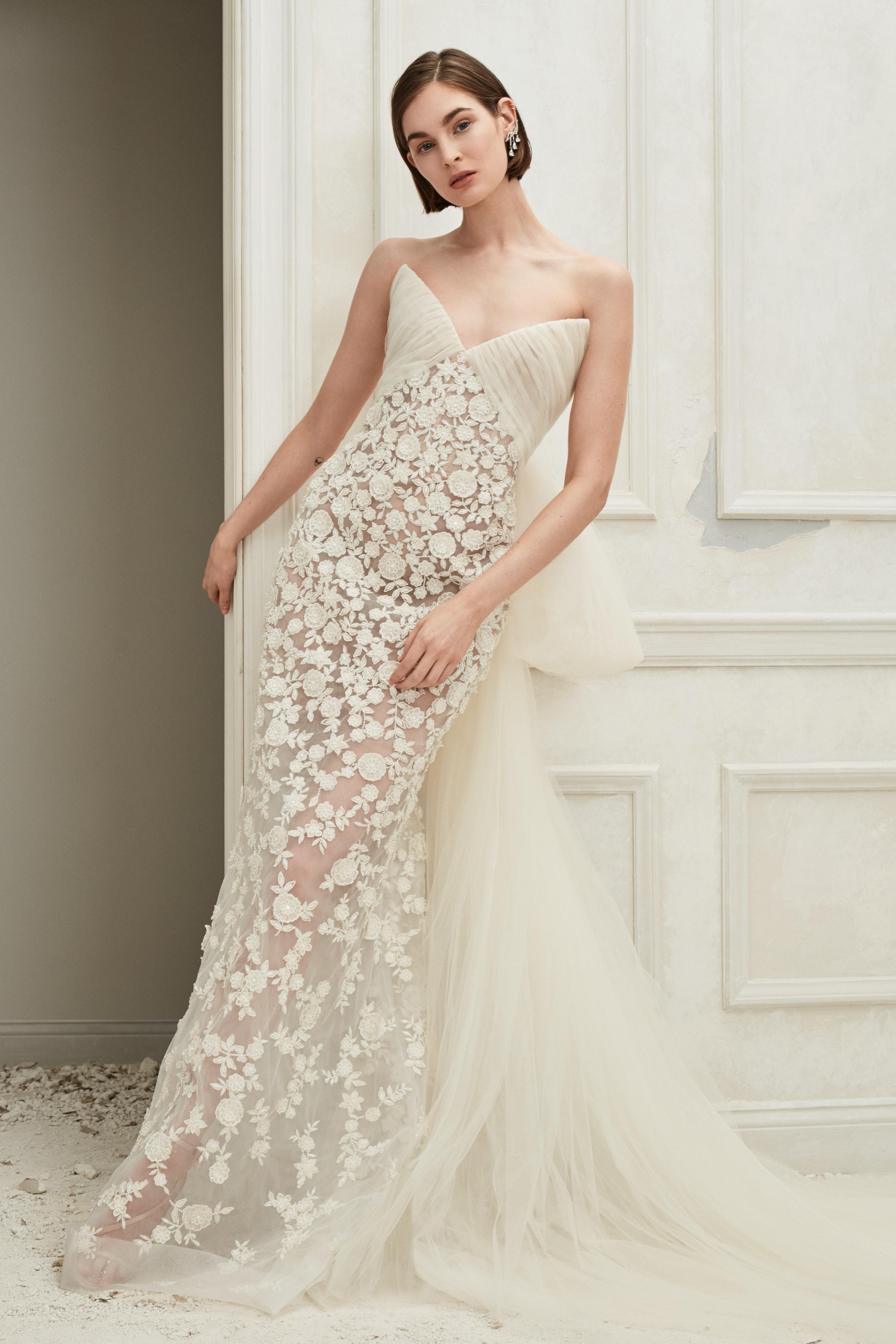Oscar de la Renta off the shoulder sheer sweetheart wedding dress fall 2019