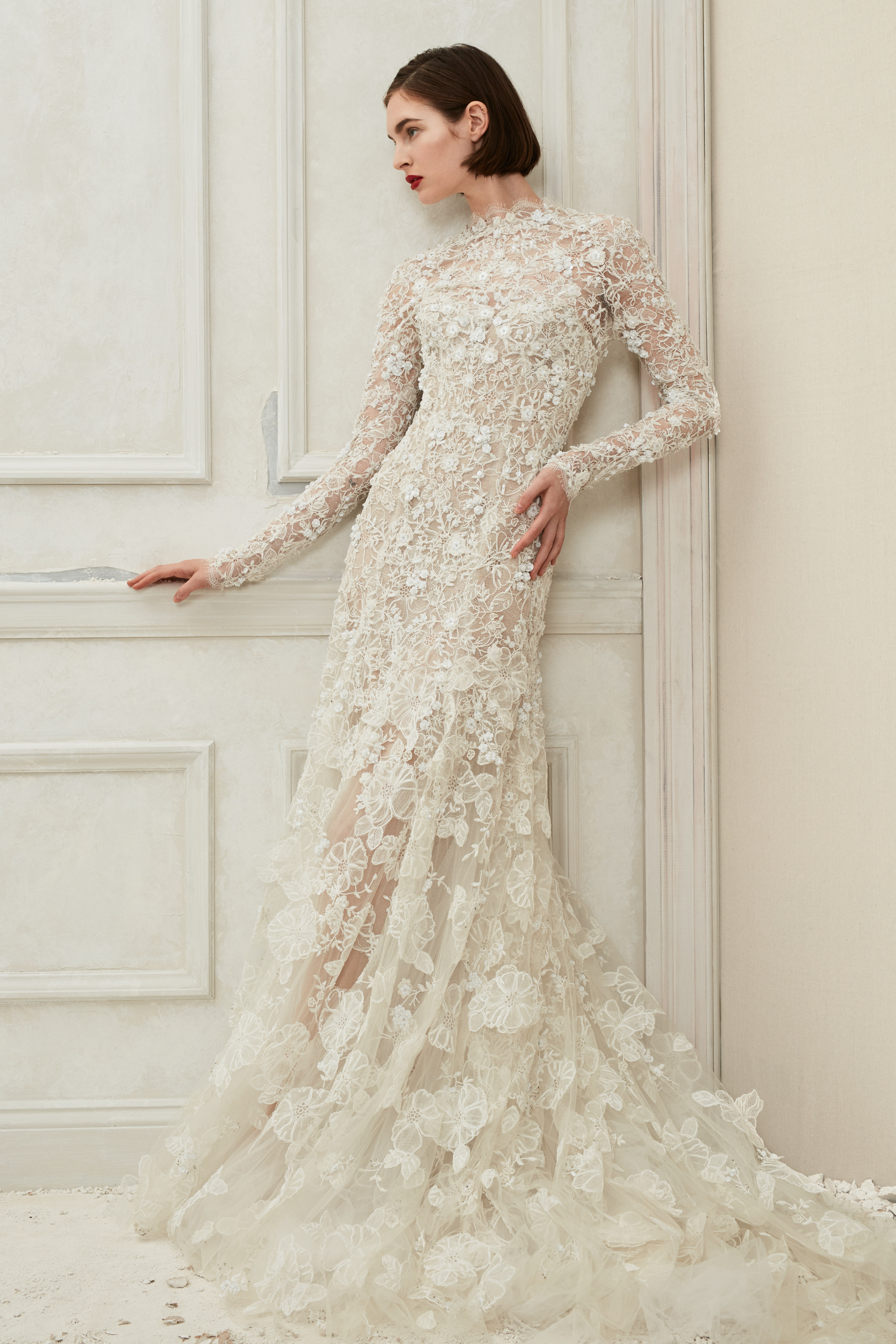 Oscar de la Renta high neck long sleeves wedding dress fall 2019
