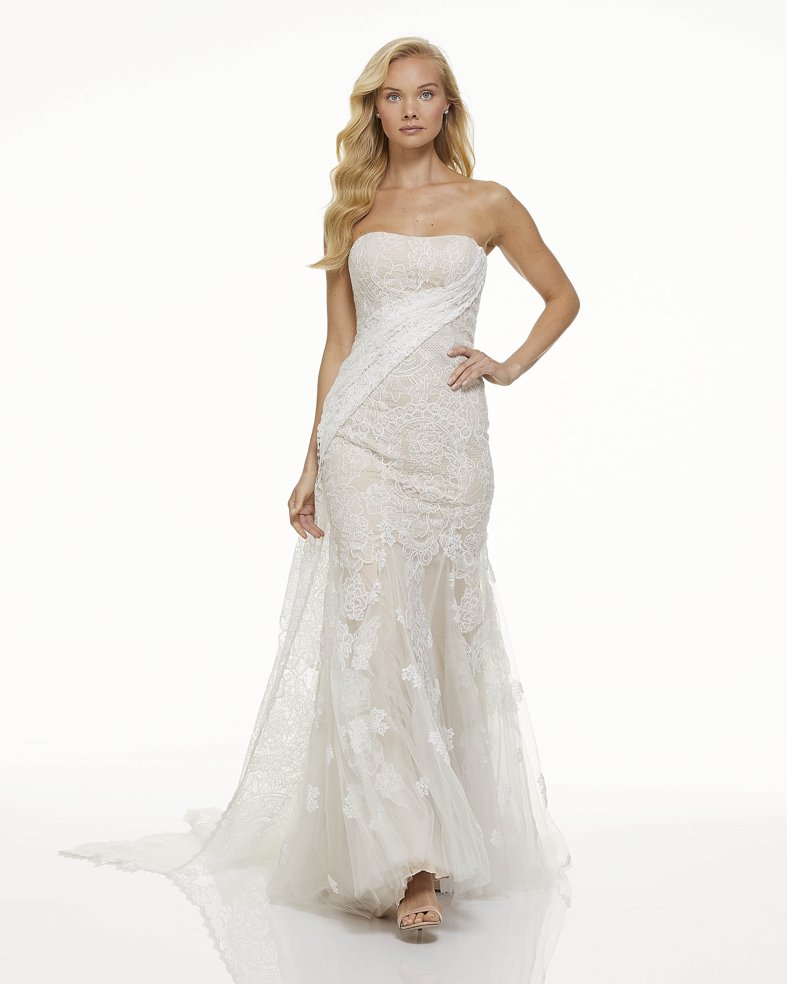 mark zunino fall 2019 trumpet strapless cream lace overlay train