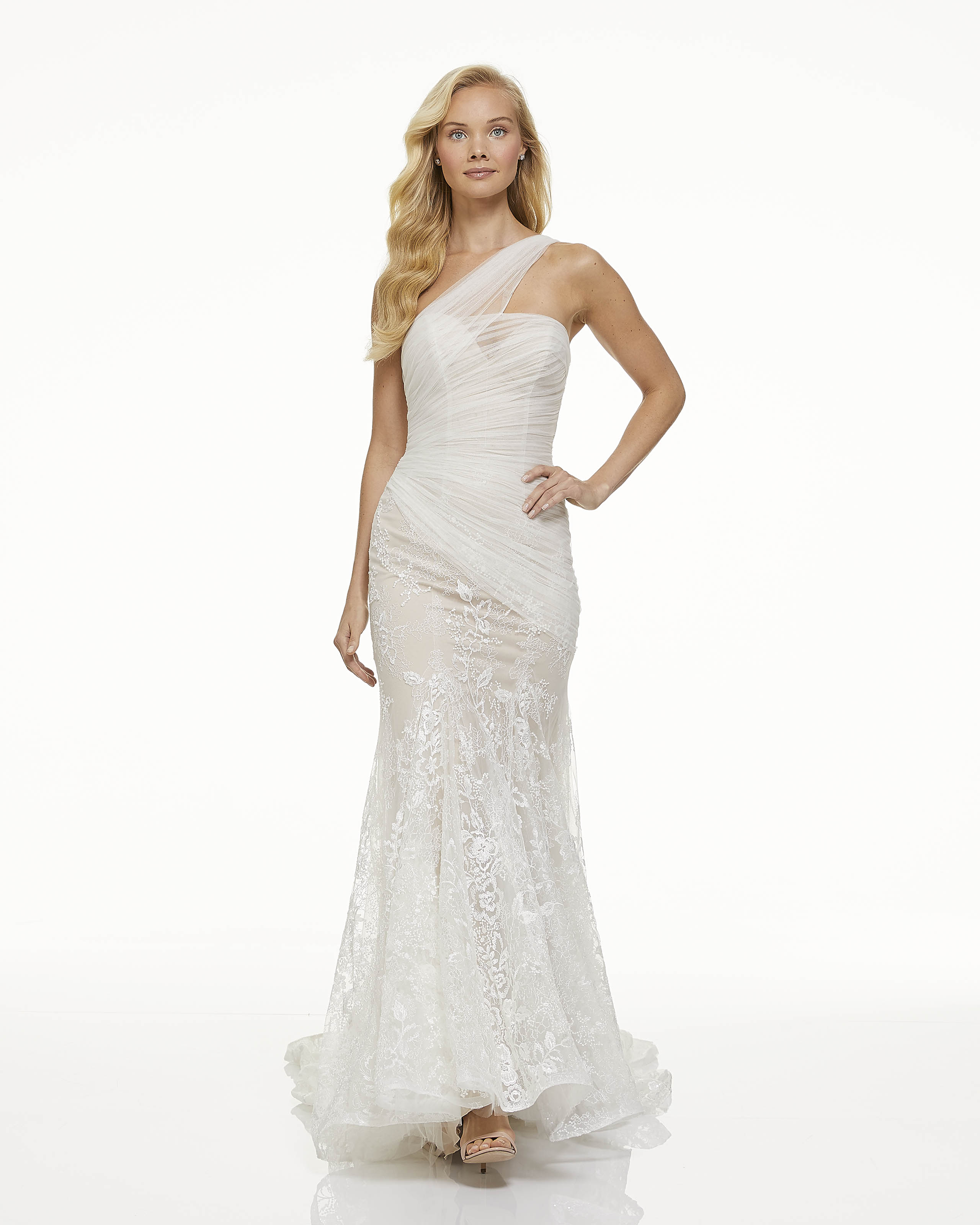mark zunino fall 2019 trumpet sweetheart sheer asymmetrical halter lace