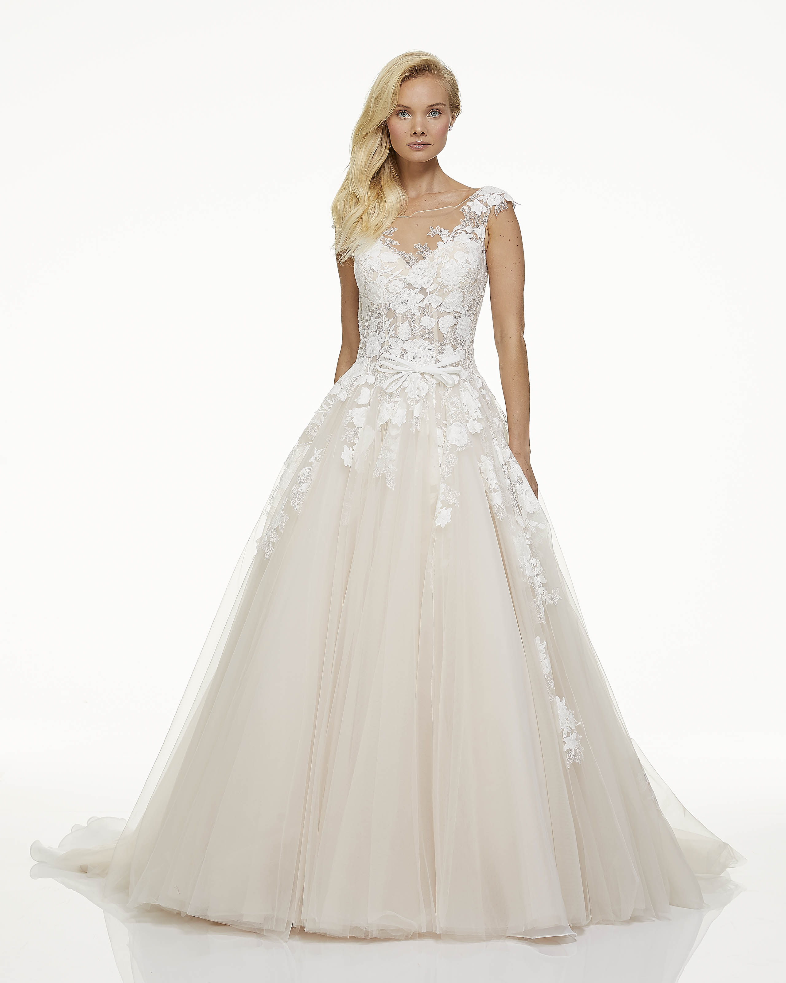 mark zunino fall 2019 ball gown illusion high neckline sleeveless sheer floral applique