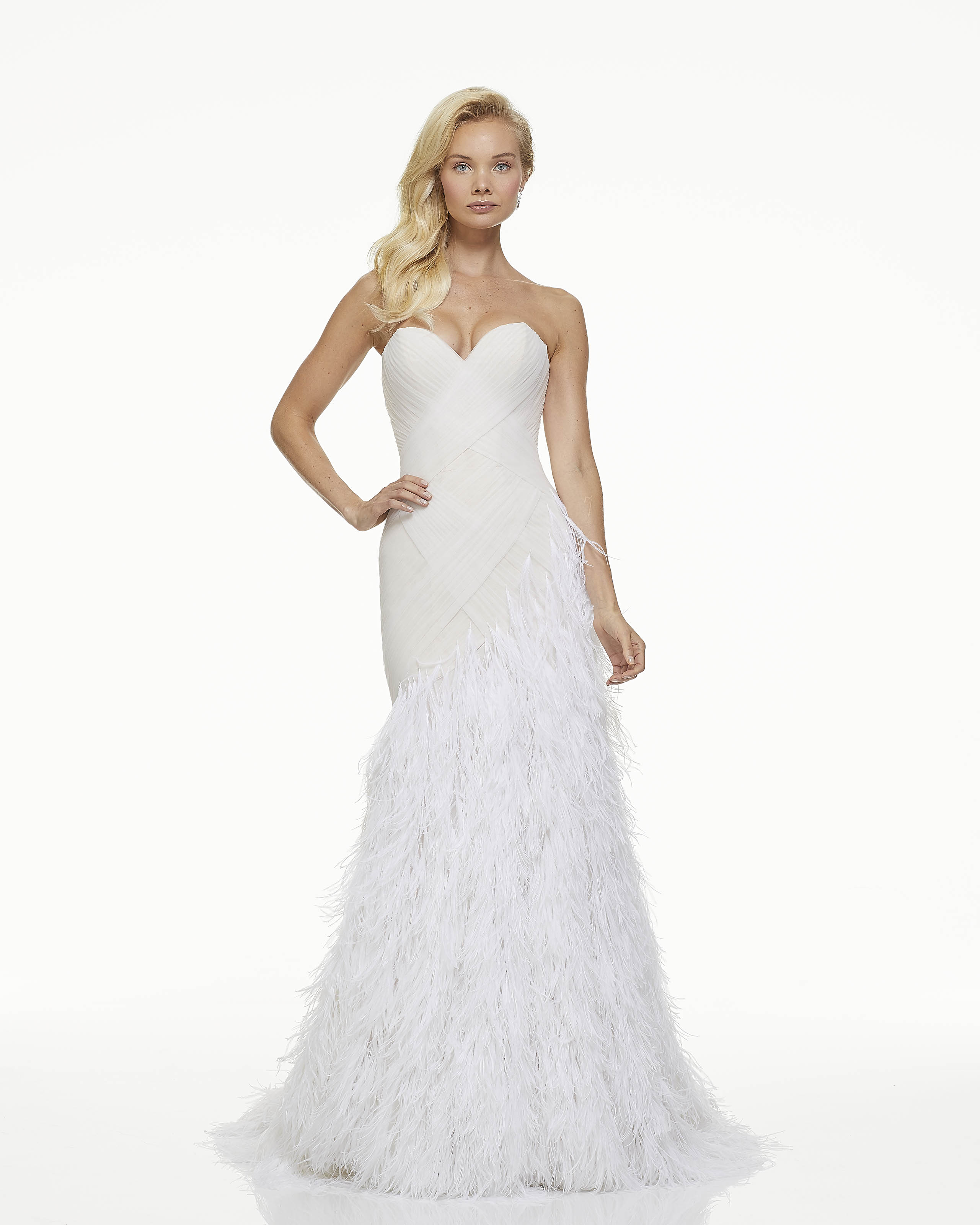 mark zunino fall 2019 mermaid sweetheart strapless feathers