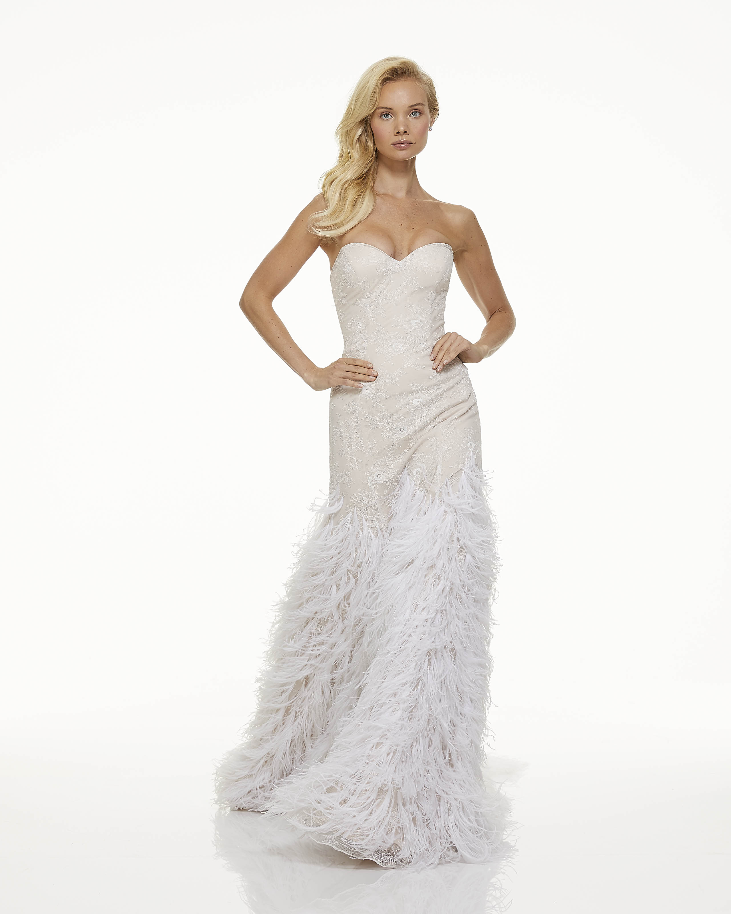 mark zunino fall 2019 mermaid sweetheart strapless feathers cream