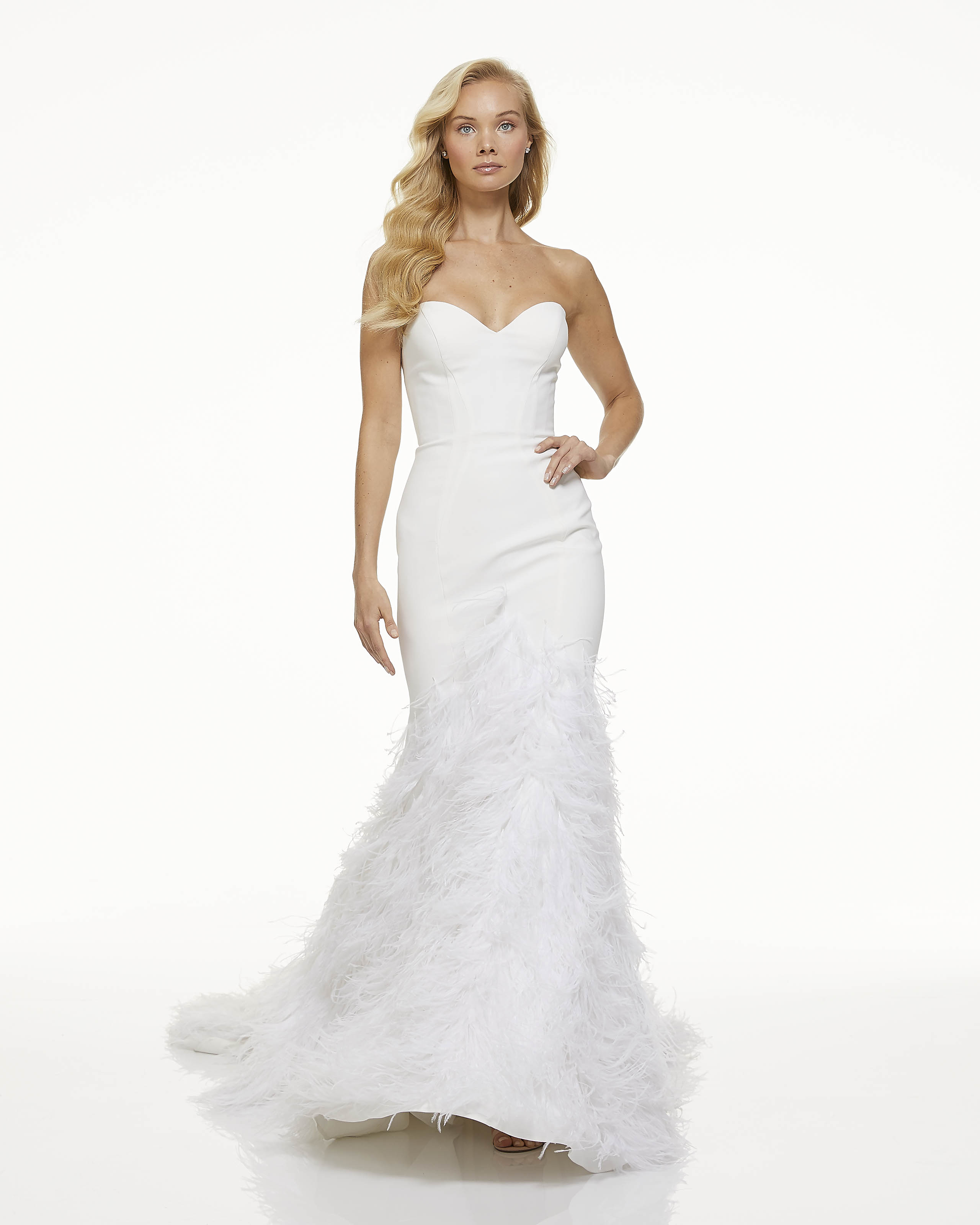 mark zunino fall 2019 mermaid sweetheart strapless feathers minimalist