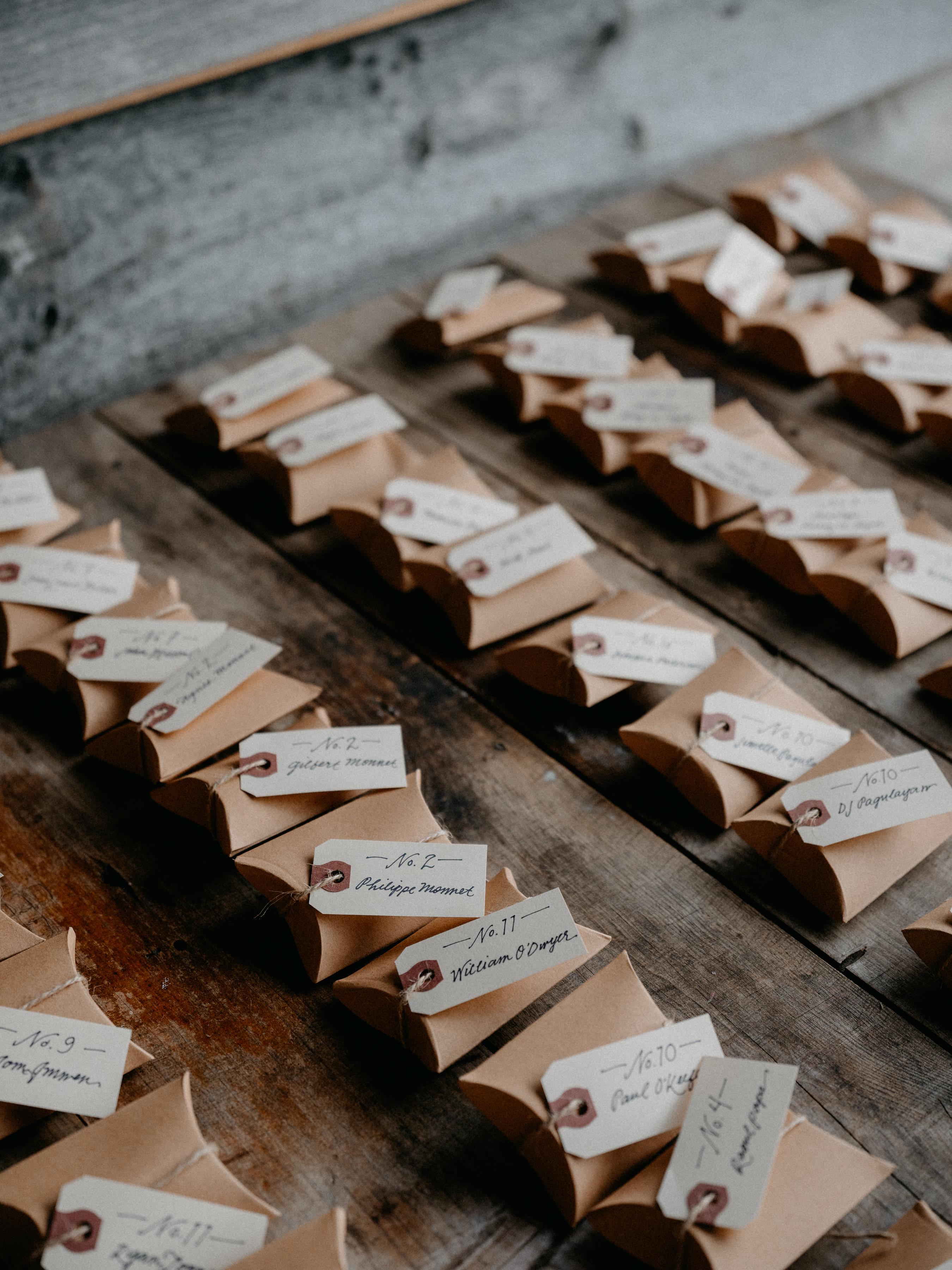 eric eryc wedding escort cards favors