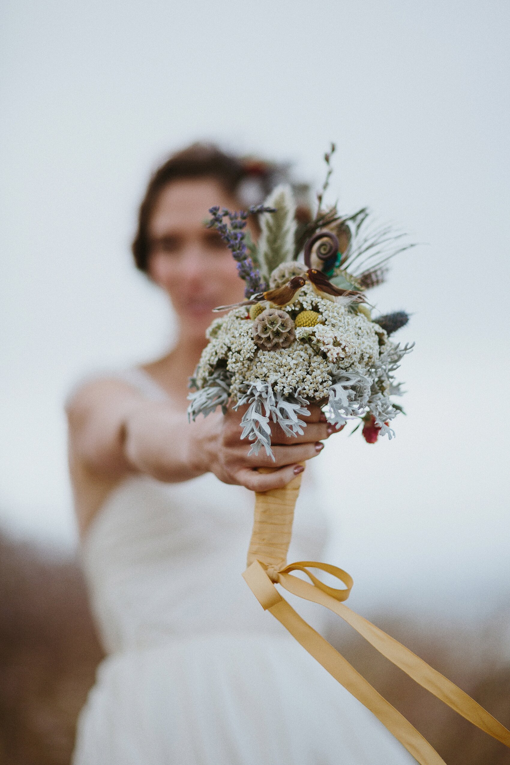 florist-approved ideas for using dried flowers in your