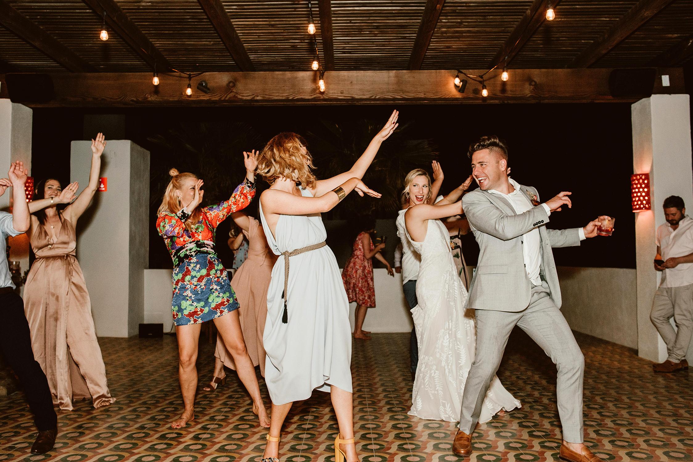 lisa sam mexico wedding dancing