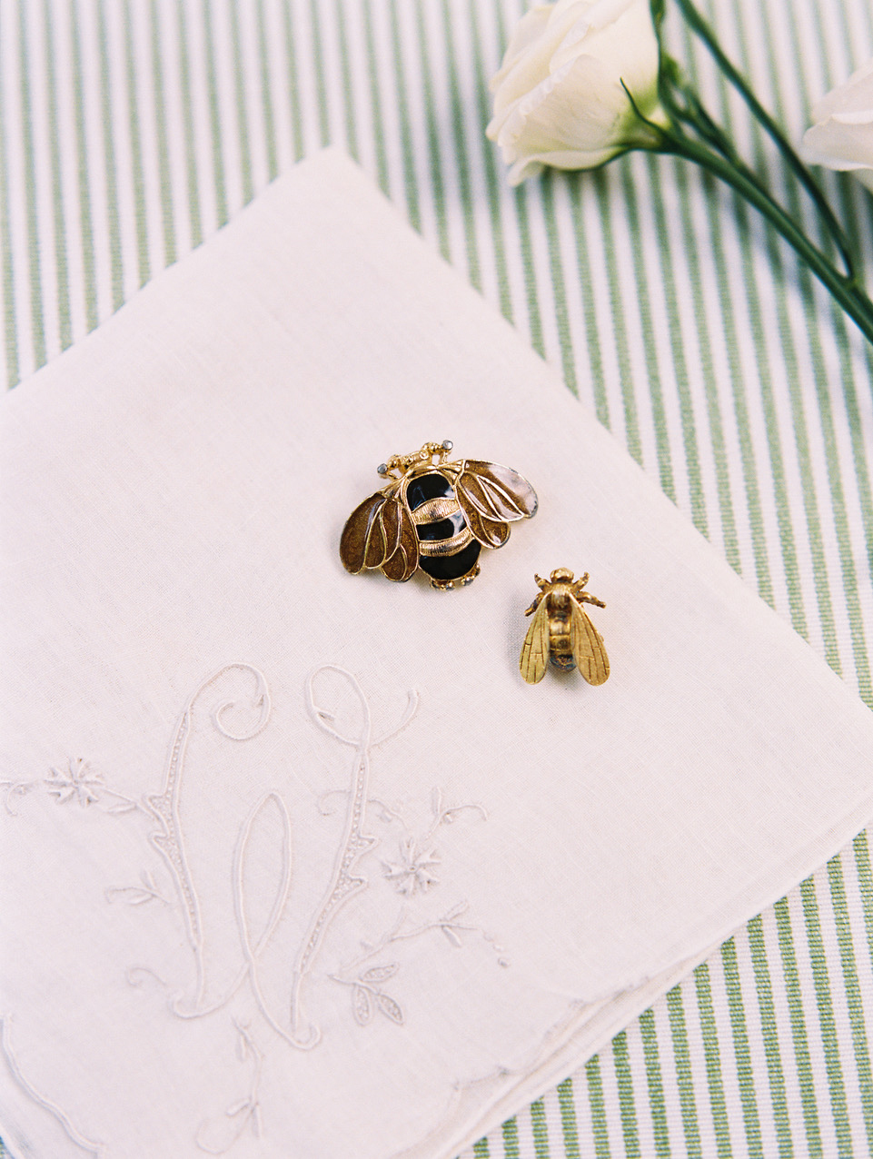 bee wedding ideas brooches