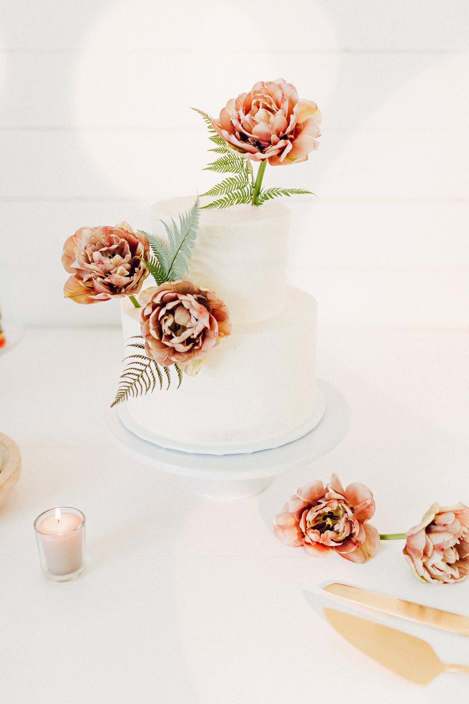 amanda chuck wedding simple cake