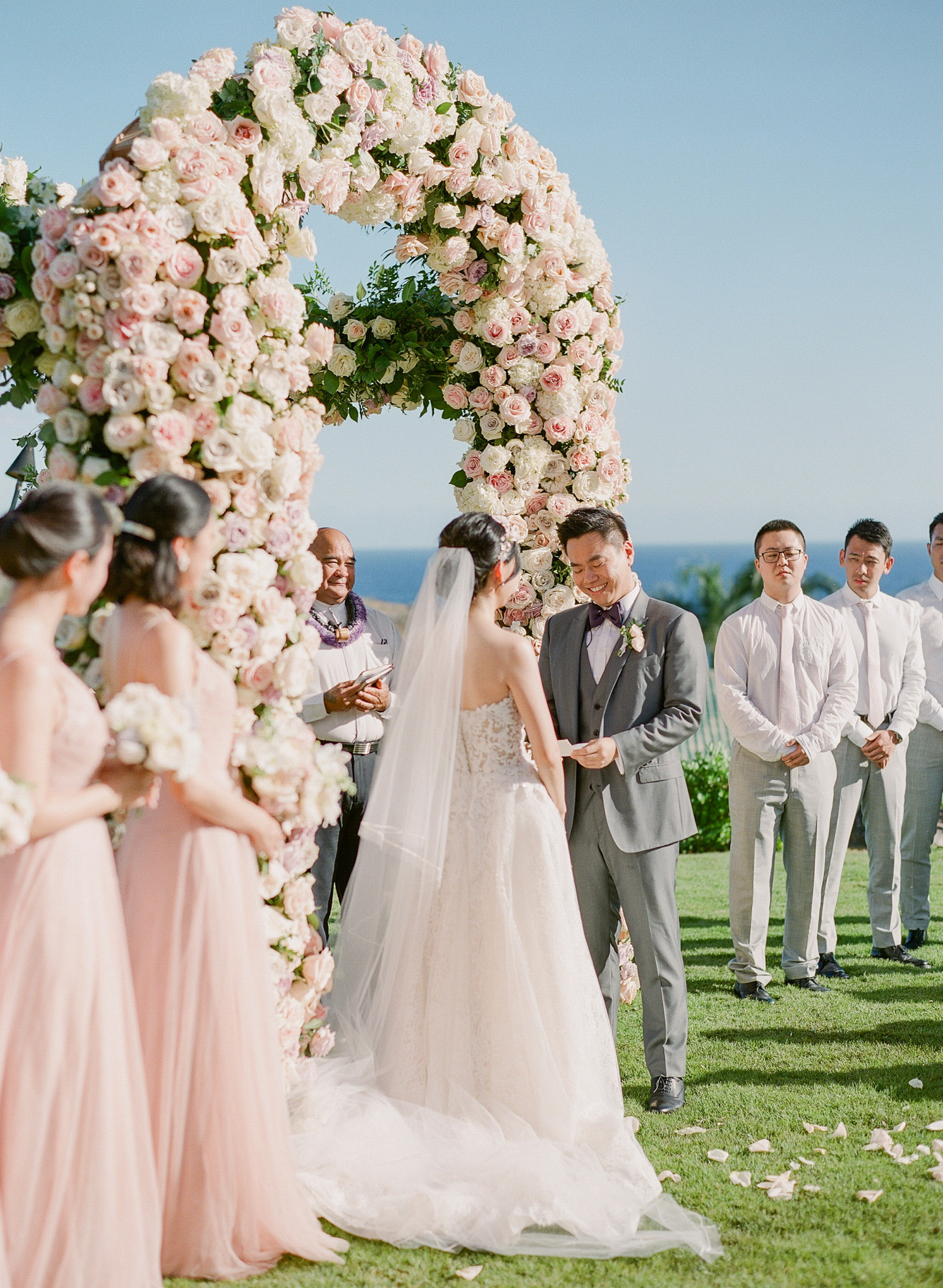 outdoor hawaiian wedding ceremony vow reading