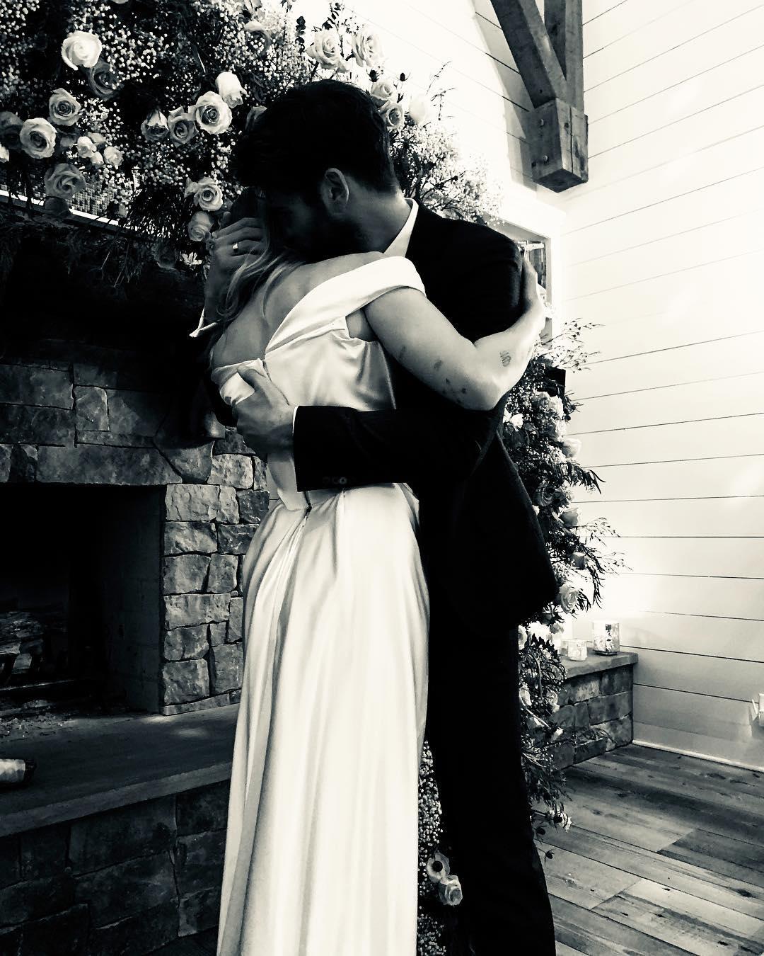 miley cyrus vivienne westwood wedding dress