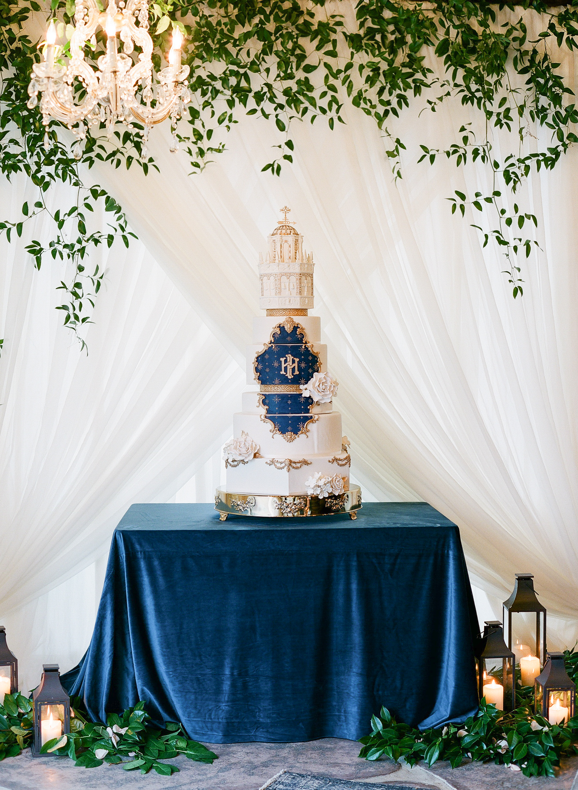 Statement Wedding Cakes