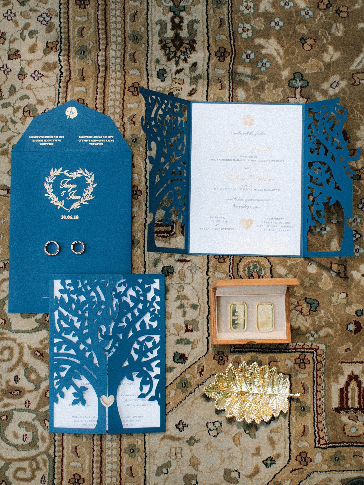 laser cut wedding invitation detail