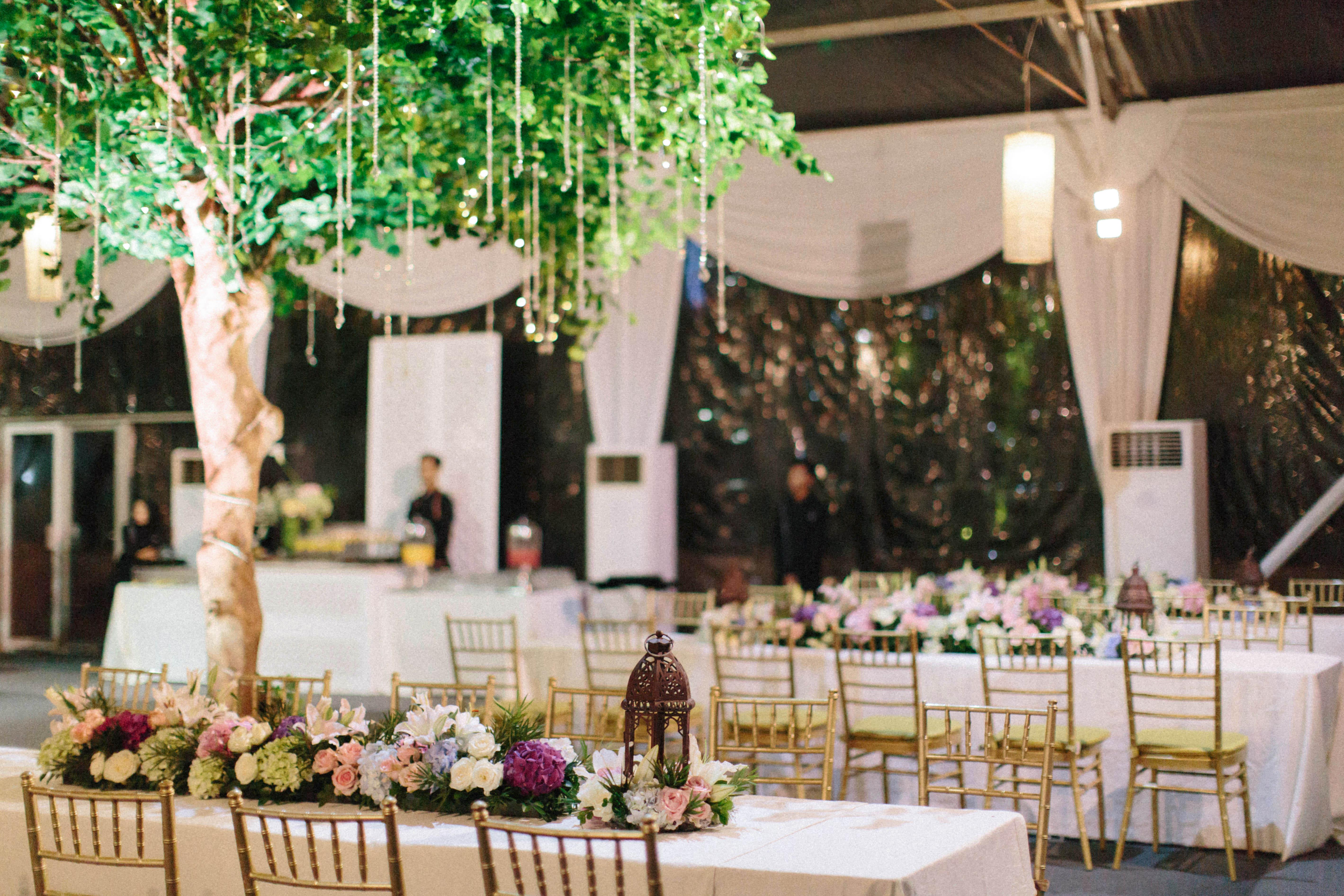 wedding reception tables tree center