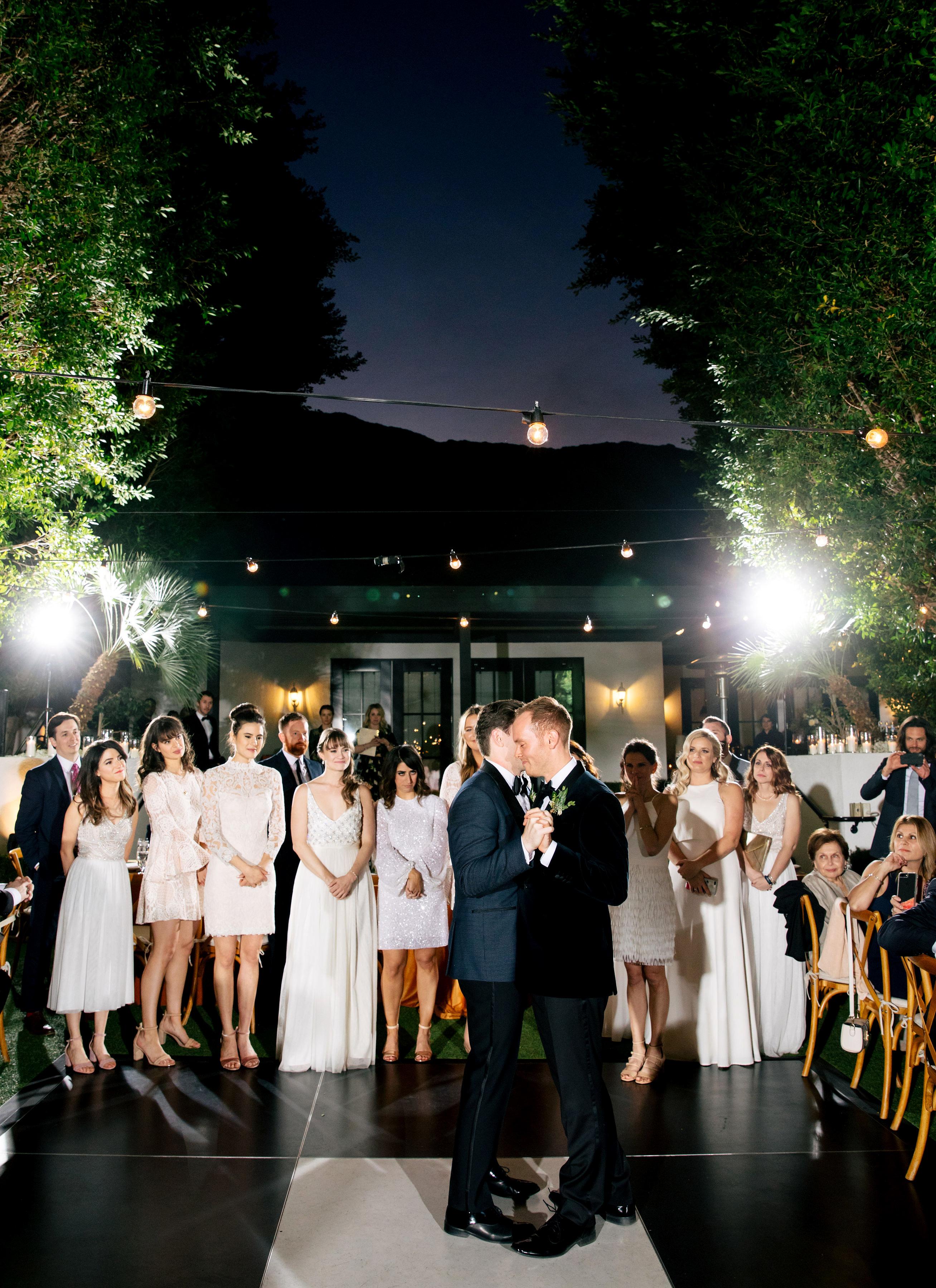 michael thomas wedding couple first dance