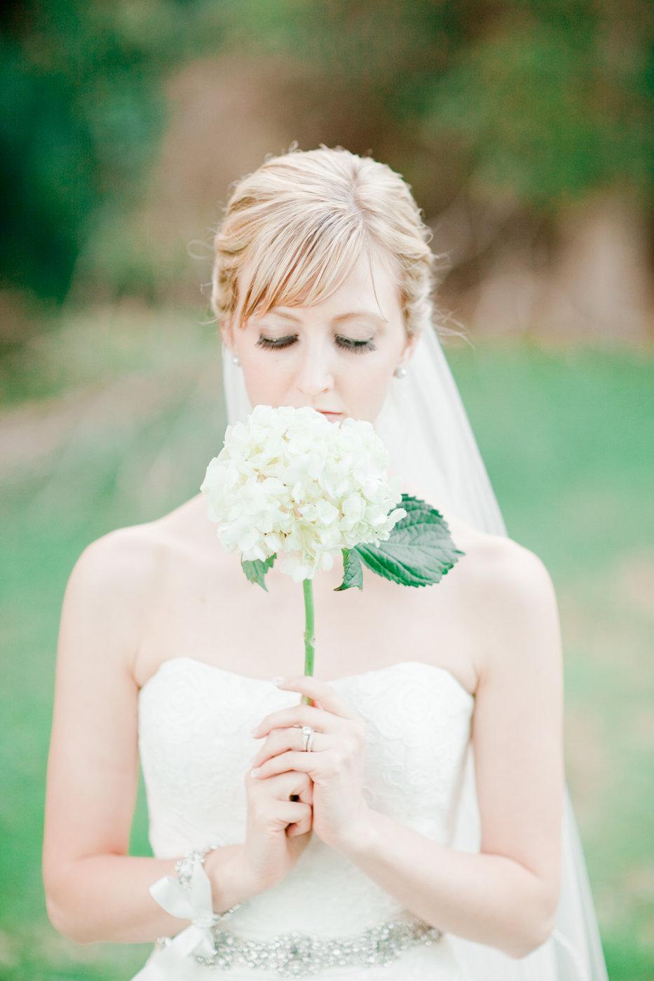 single stem hydrangea bouquet