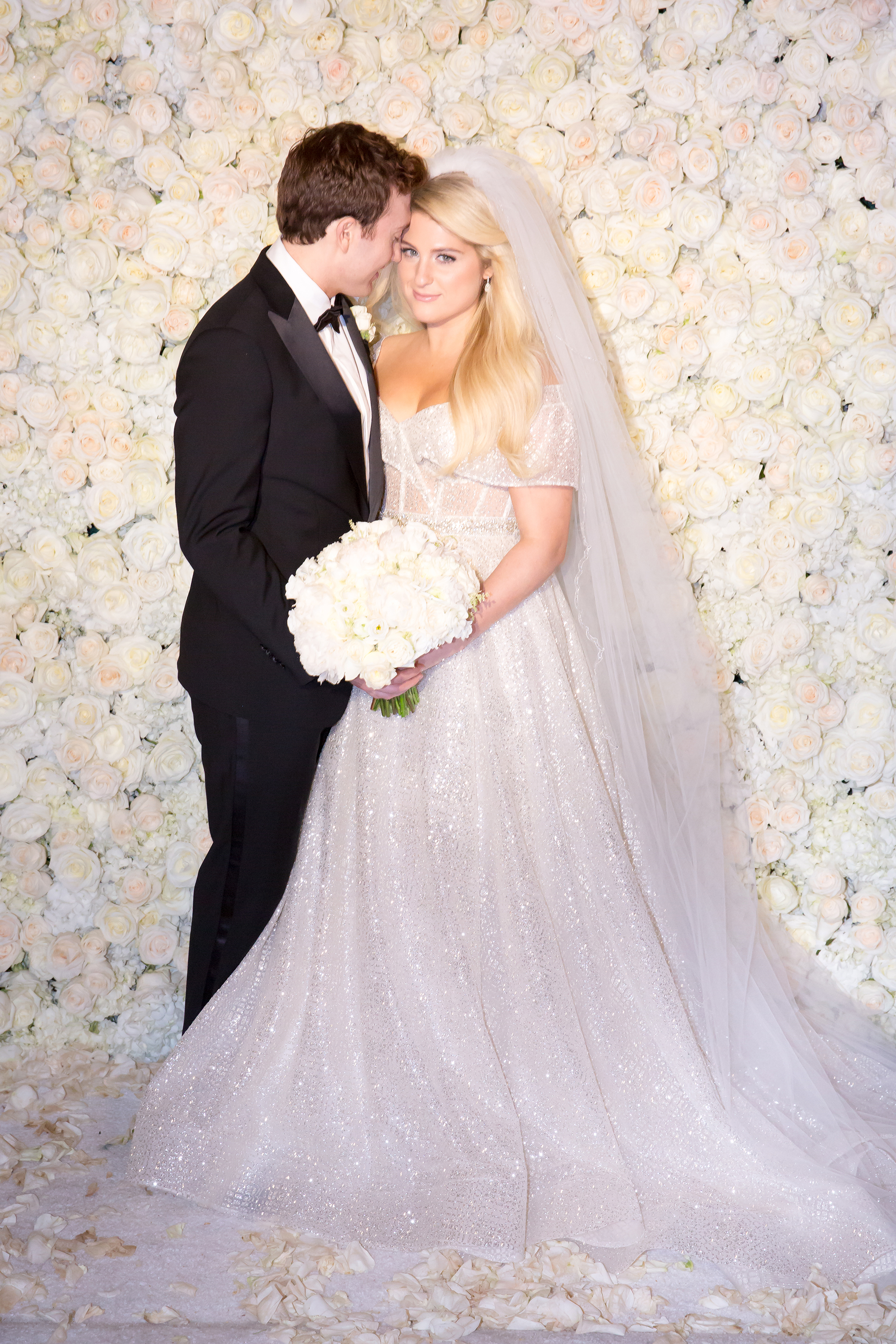 meghan trainor and daryl sabara wedding