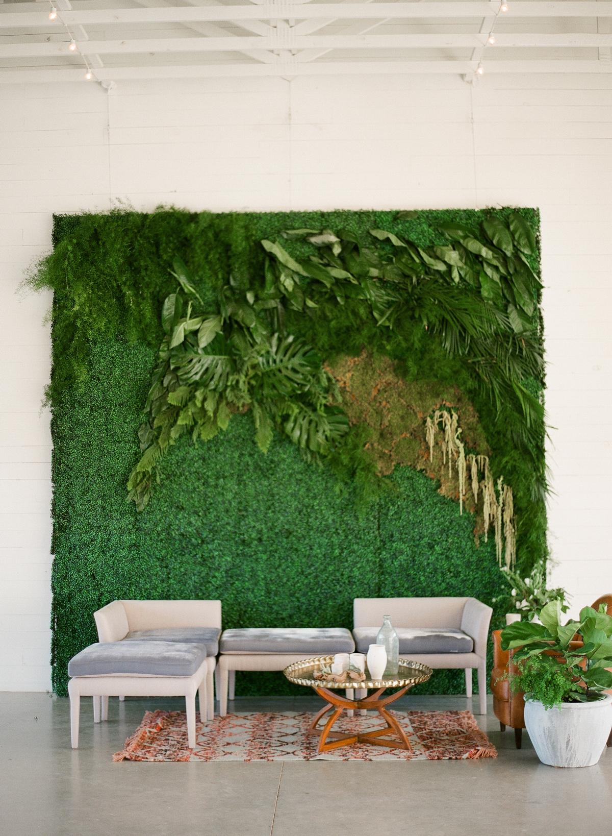 wedding plant wall boxwood and foliage