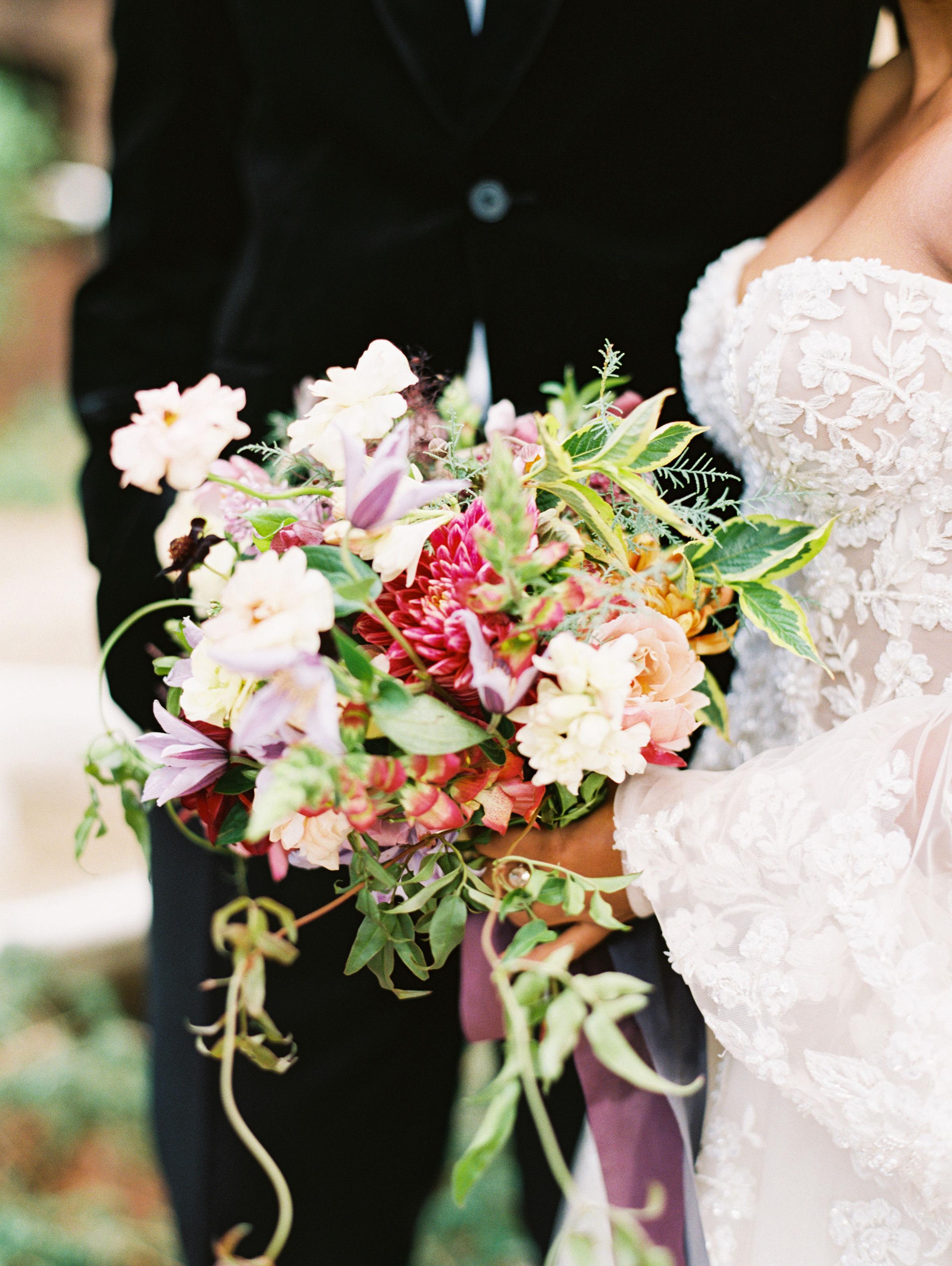 jamie and michael wedding brides bouquet