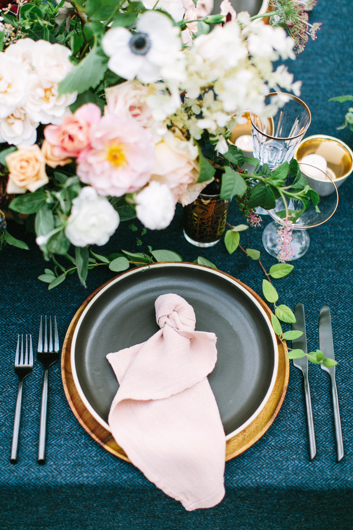 wedding reception napkin folds pink napkin in a knot