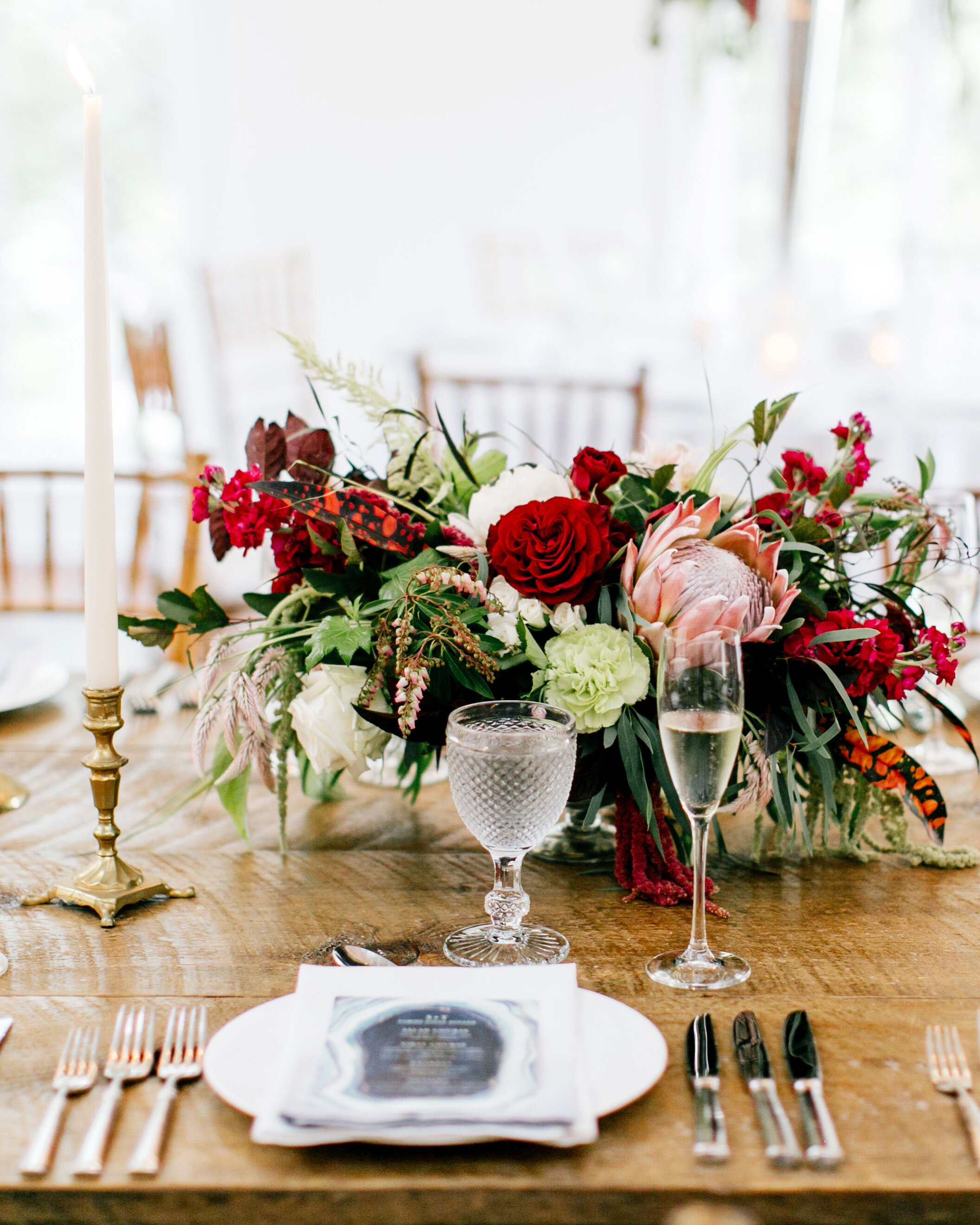 How to Determine How Big Your Wedding Centerpieces Should Be ...