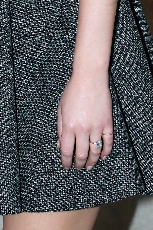jennifer lawrence engagement ring