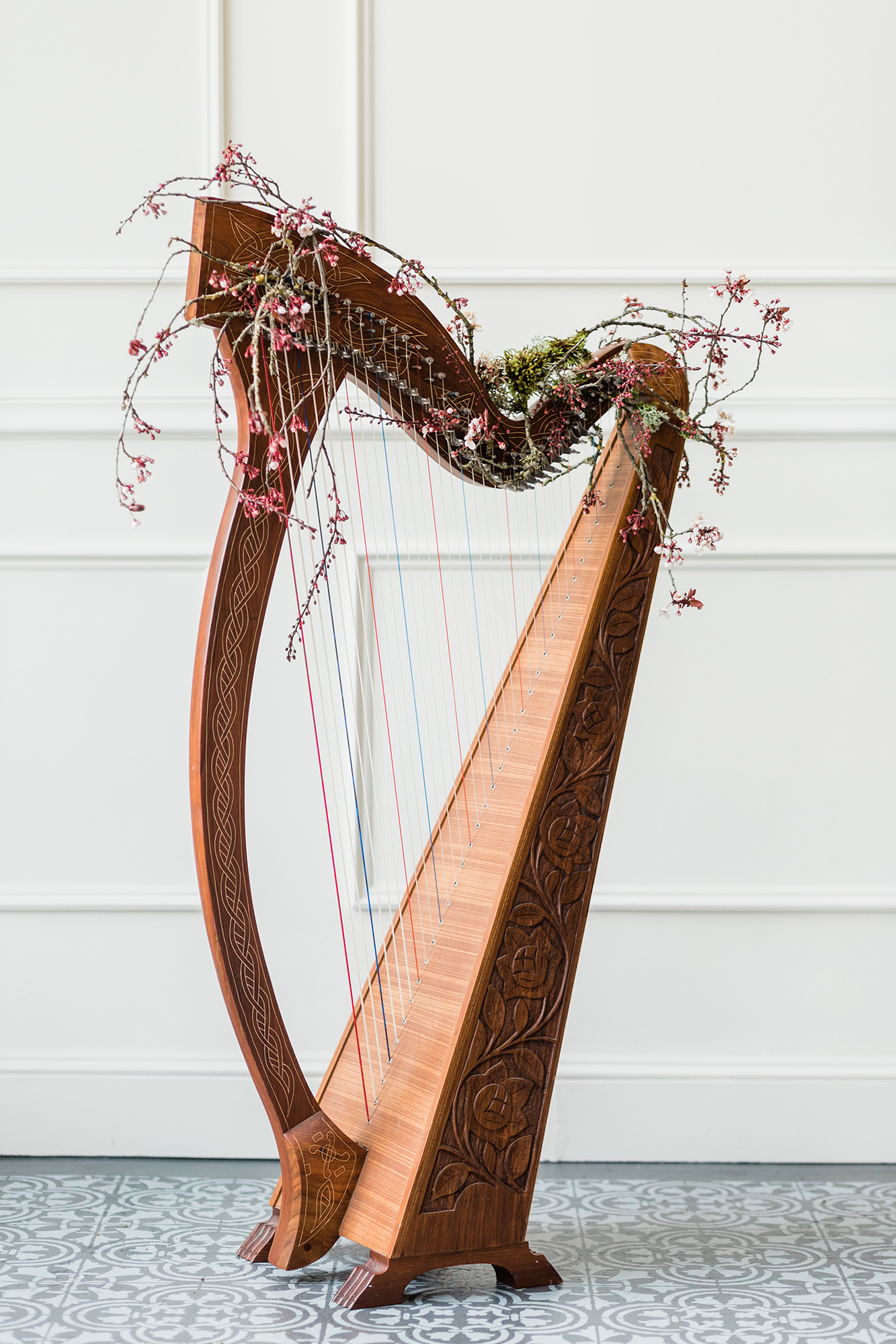 branch and bud decorated harp